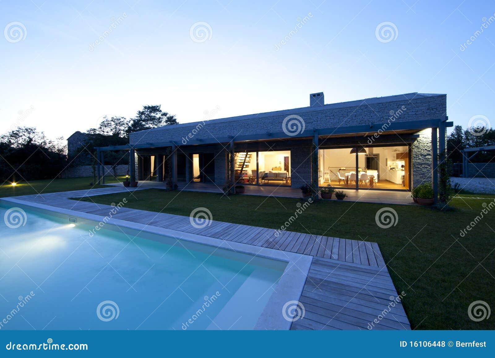 casa di pietra moderna in istria fotografie stock libere