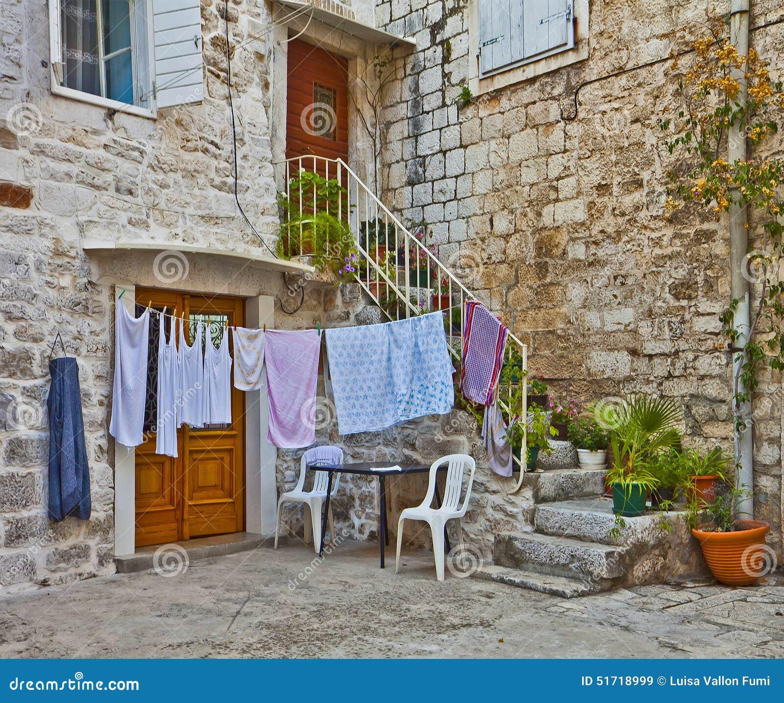 Casa d lmata con la escalera las plantas y el lavadero de for Casa con lavadero