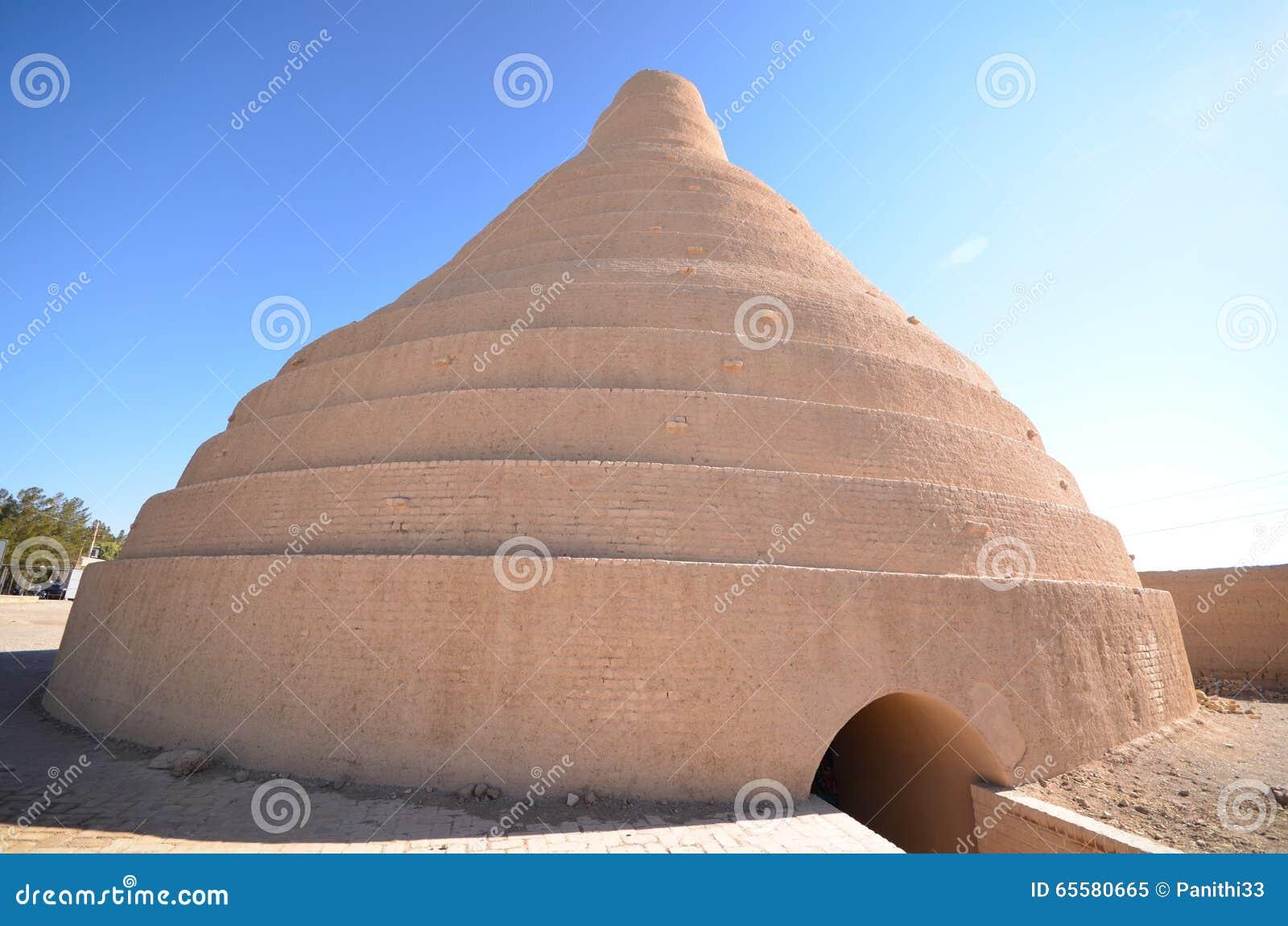Casa do armazenamento de gelo em Abarkuh