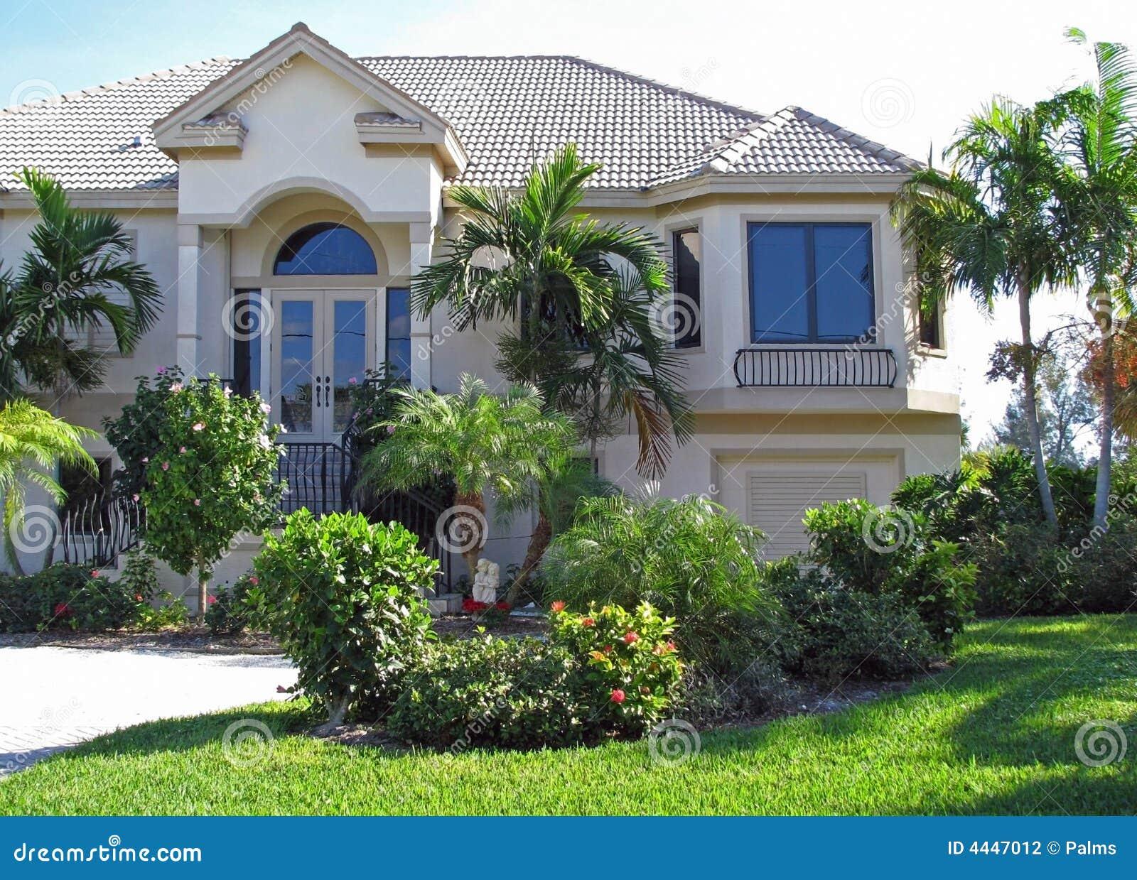 casa-e-jardim-modernos-4447012.jpg
