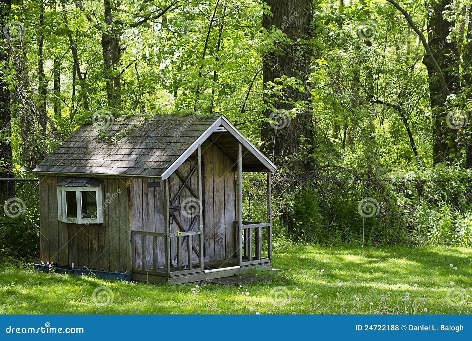 Casa en el bosque fotos de archivo libres de regal as - Casas el bosque ...