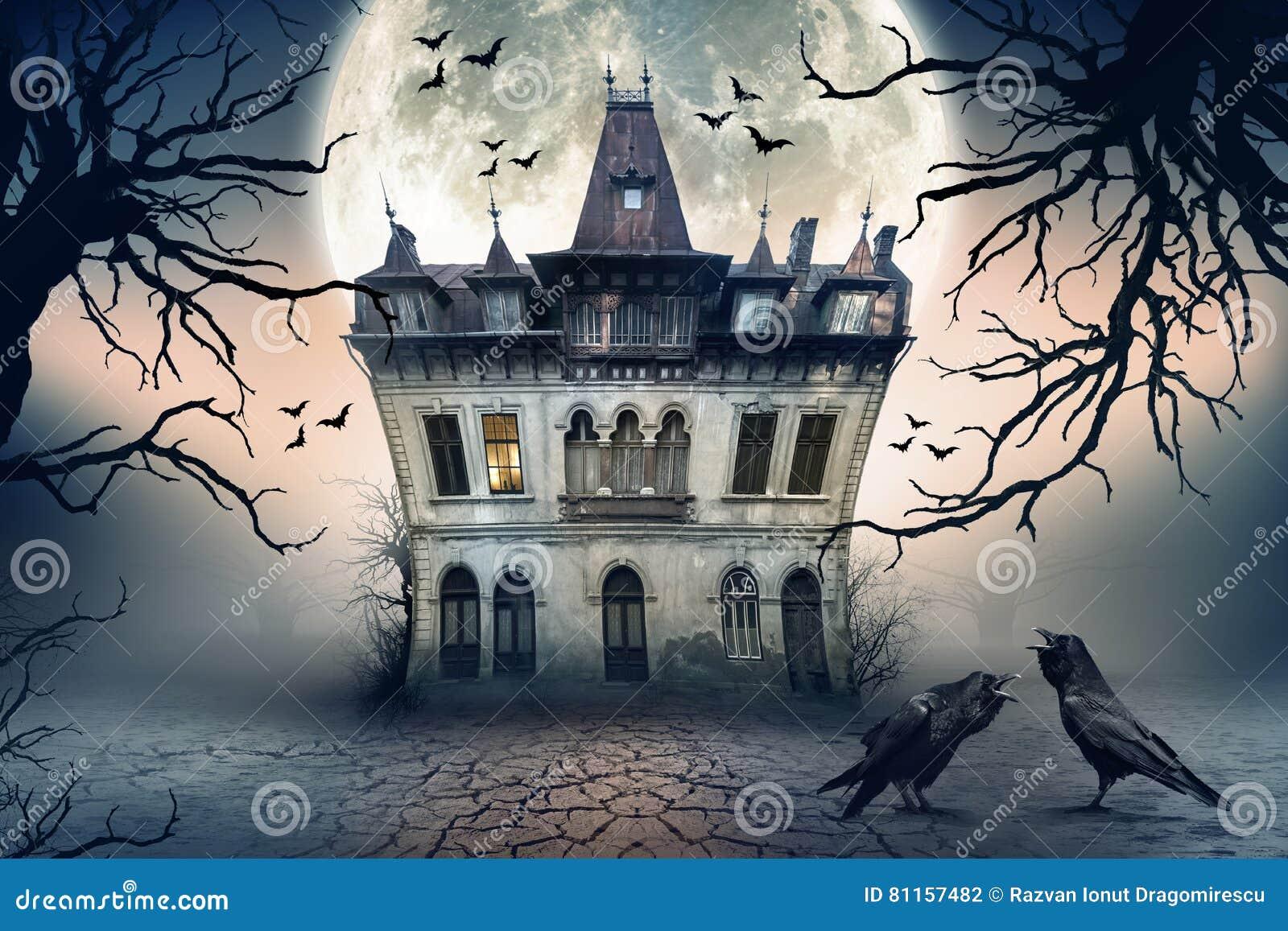 Casa encantada con los cuervos