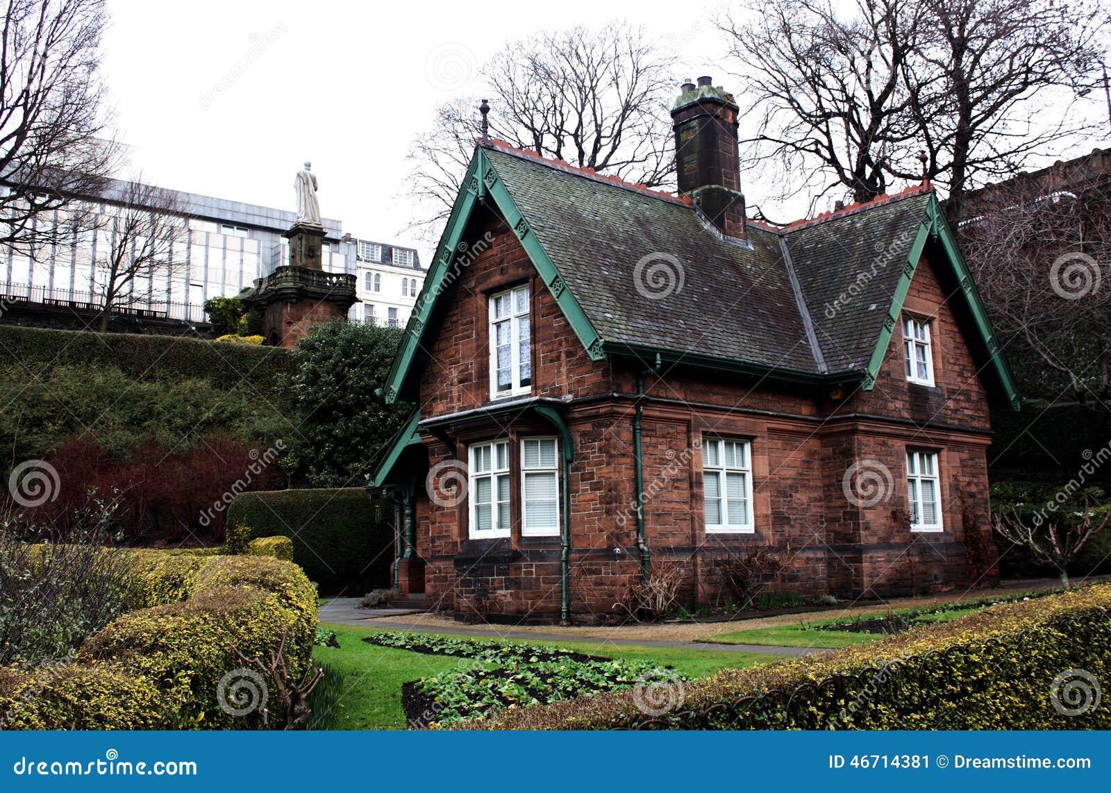 Casa escocesa foto de archivo imagen 46714381 - Casas rurales escocia ...