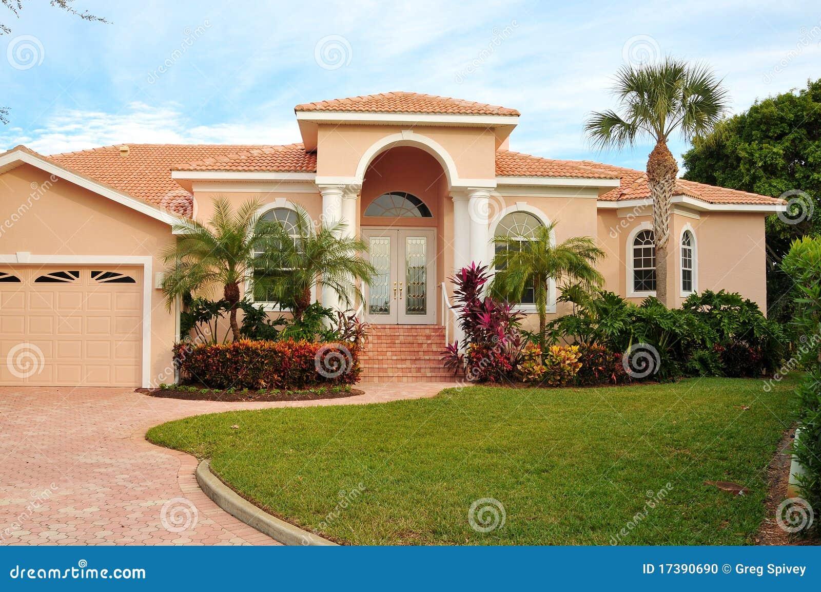Casa exclusiva con ajardinar tropical lujoso foto de - Entradas para casas ...