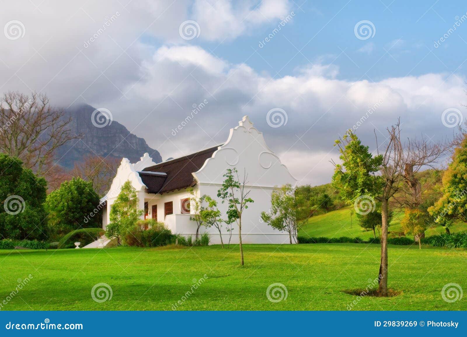 Casa holandesa do cabo tradicional após a chuva