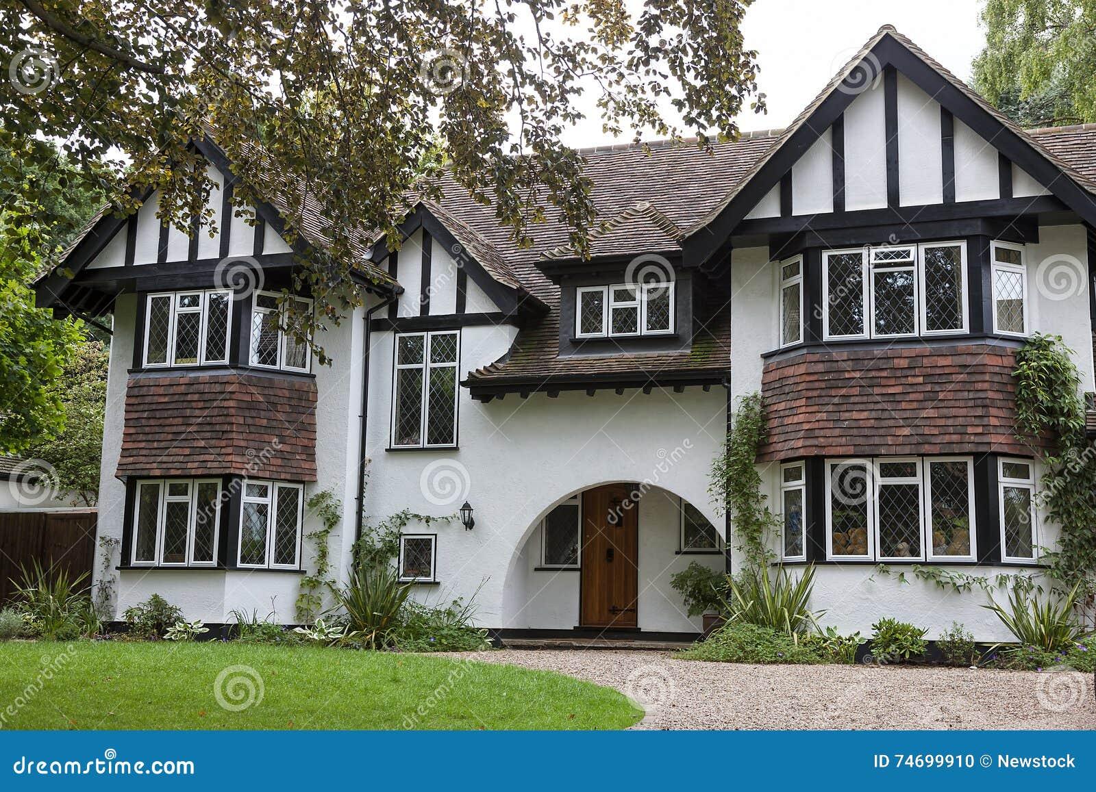 casa inglese tipica fotografia stock immagine di esterno