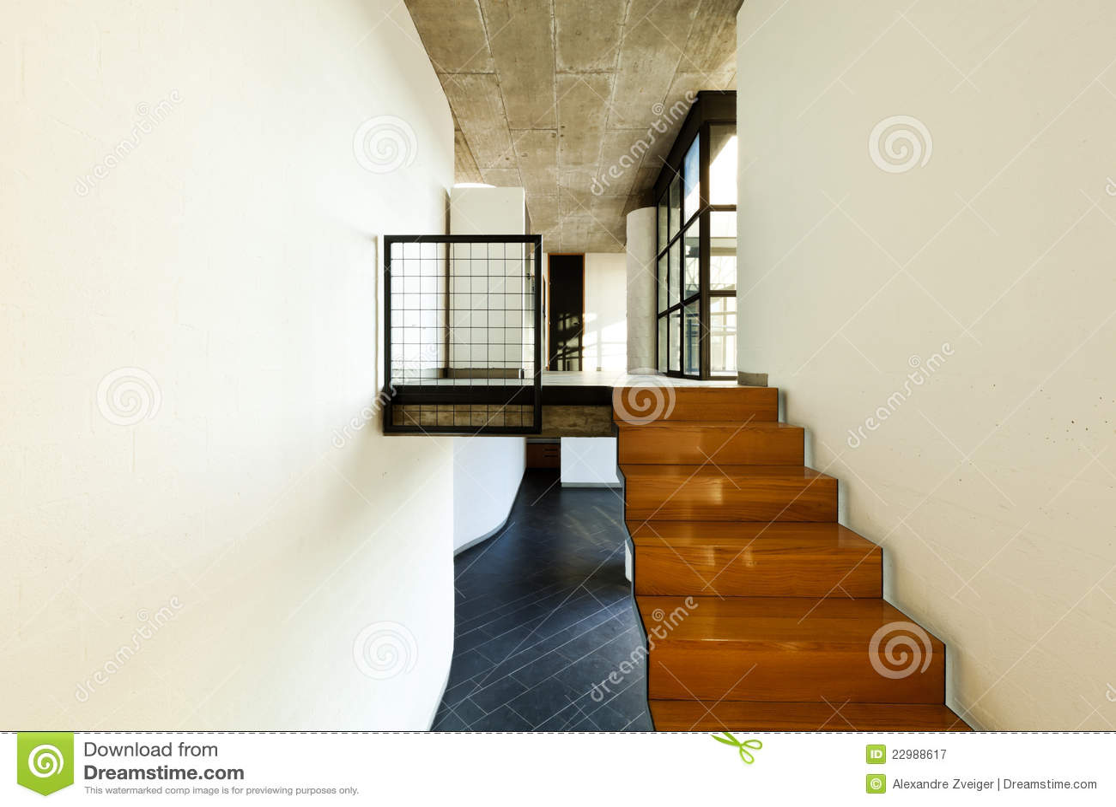 Casa interior escalera de madera fotograf a de archivo - Escaleras modernas de interior ...