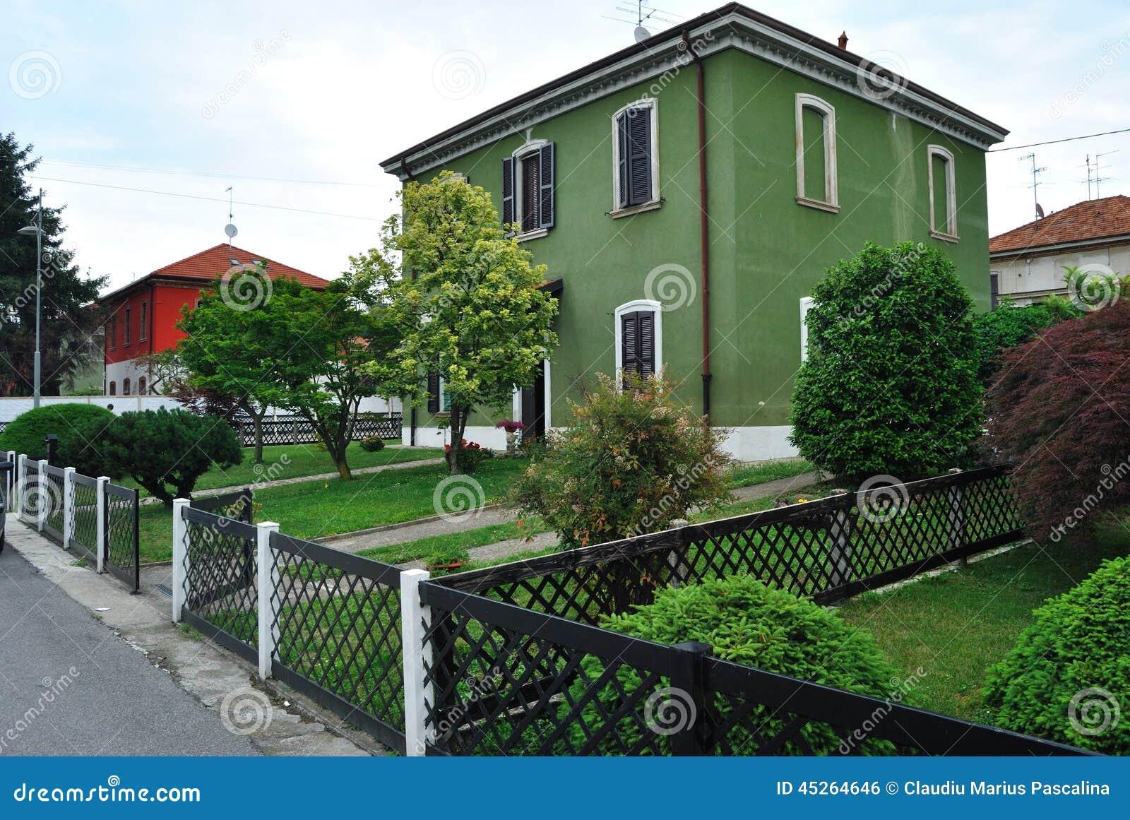 Casa italiana foto de archivo imagen 45264646 for Casa italiana