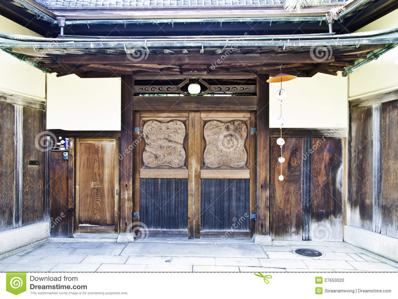 Casa japonesa tradicional foto de archivo imagen 27650020 - Casa tradicional japonesa ...
