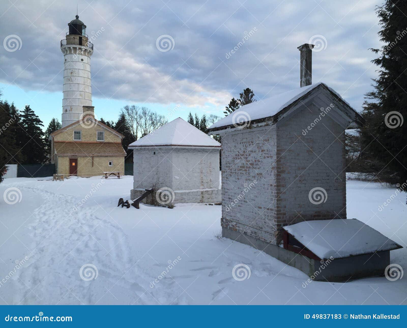 Casa ligera del condado de Door Wisconsin en invierno