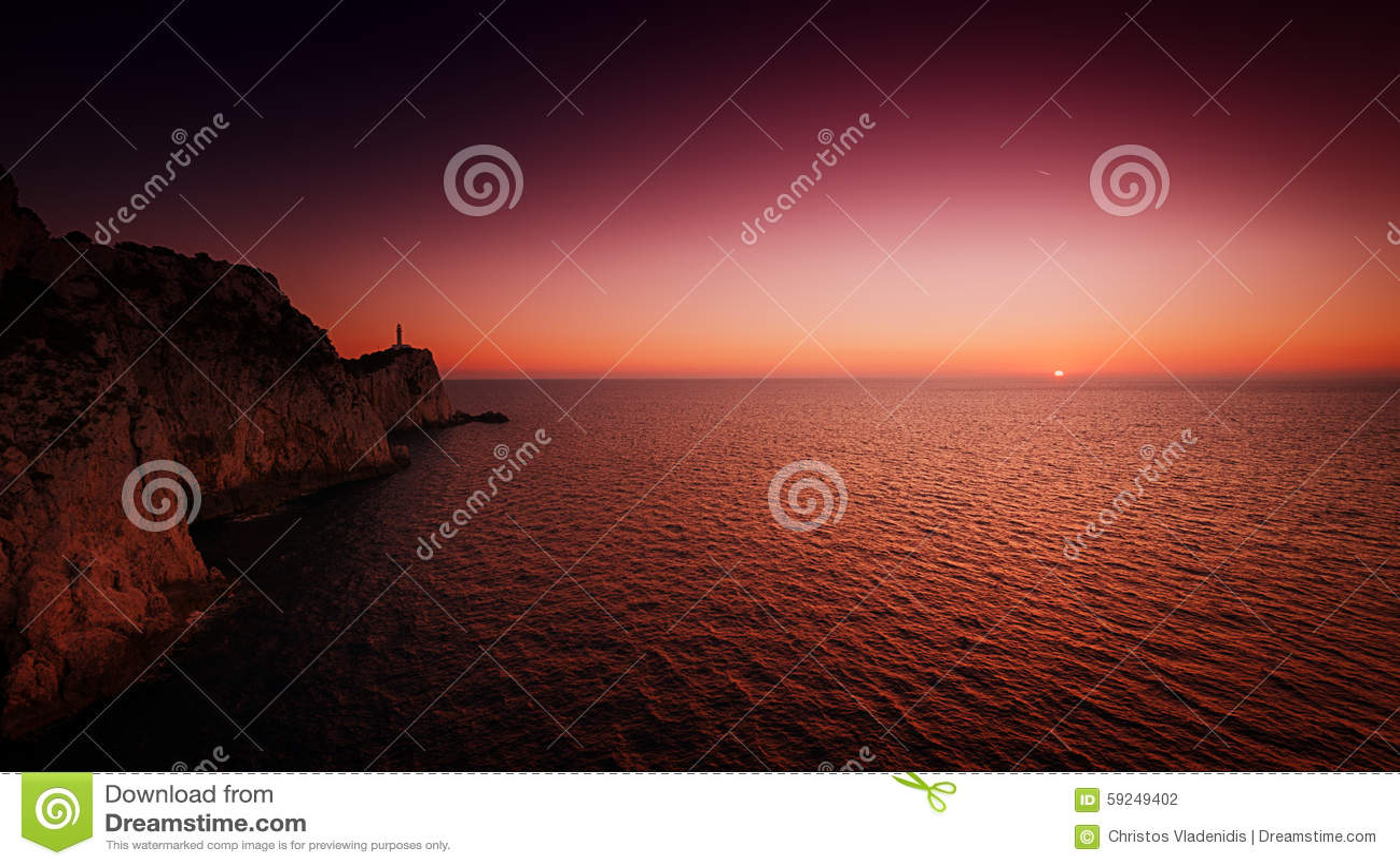 Casa ligera en la puesta del sol