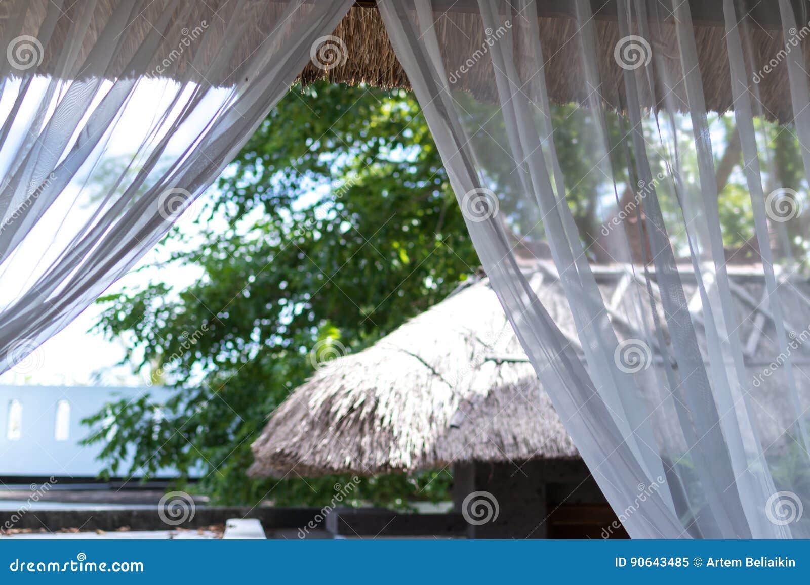 Casa luxuosa, pátio, recurso tropical da casa de campo na ilha de Bali, Indonésia