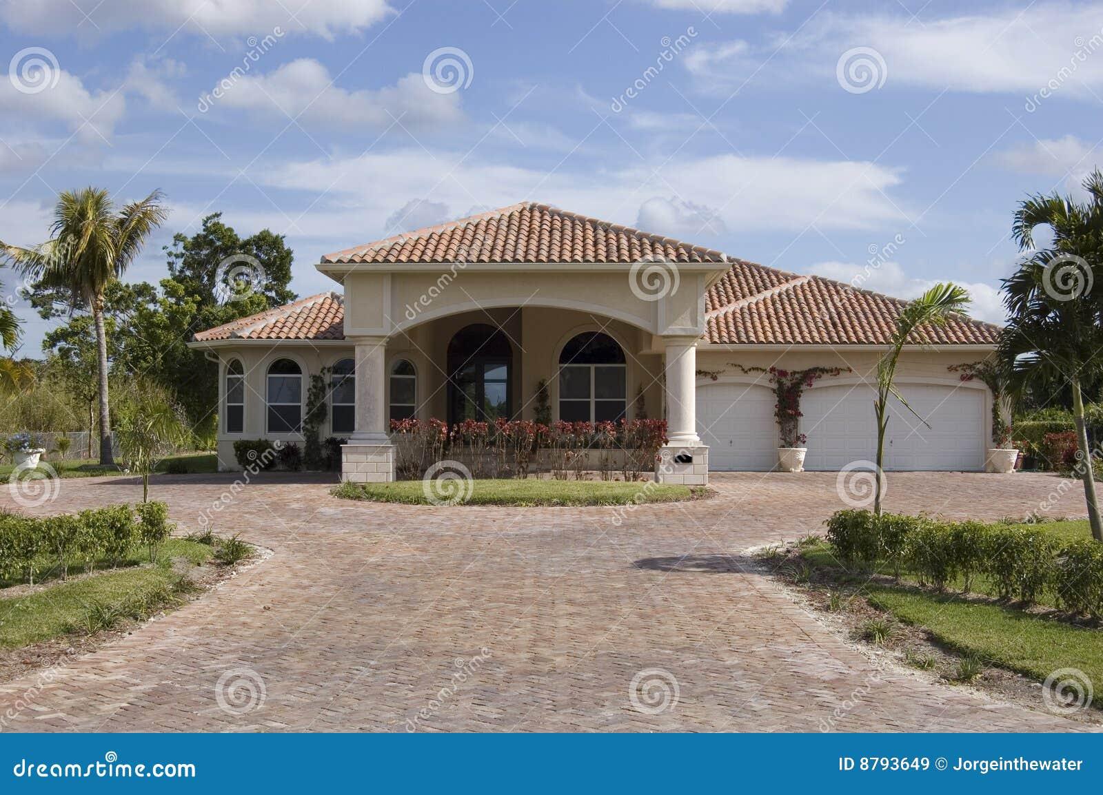 Casa mediterranea di stile immagine stock immagine di for Numeri di casa mediterranea