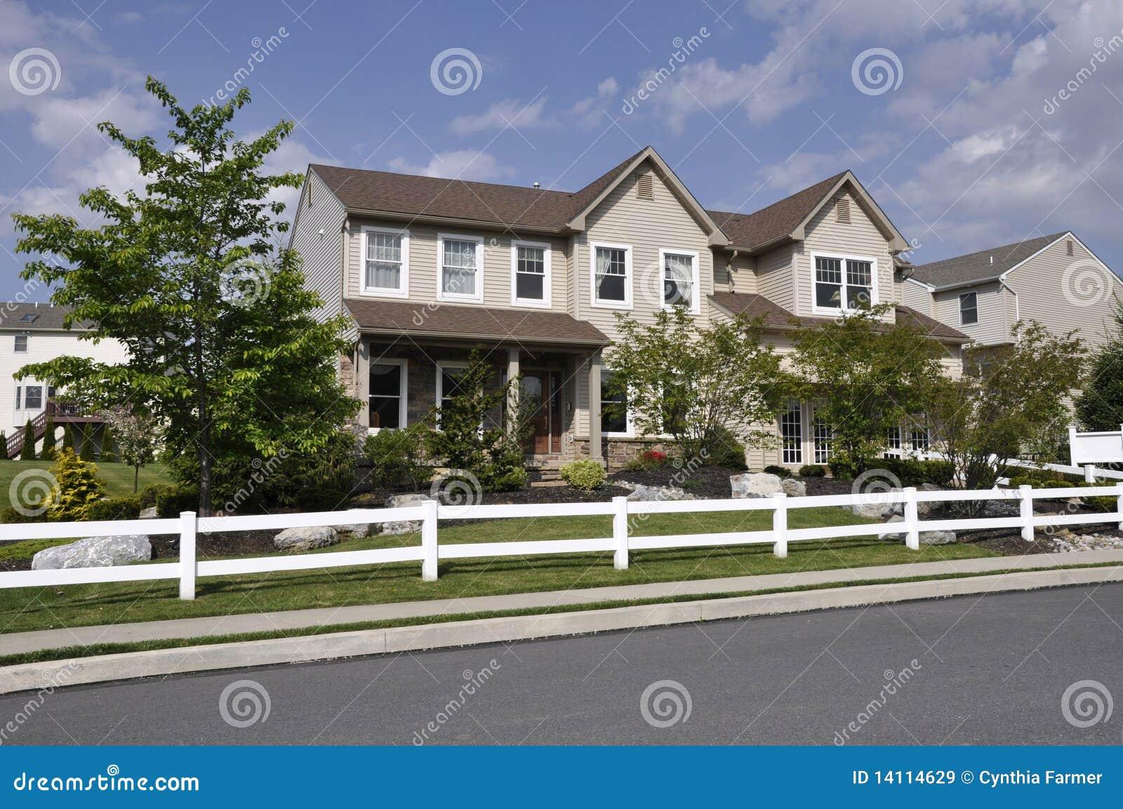 Casa moderna immagine stock immagine di pennsylvania for Casa moderna vector