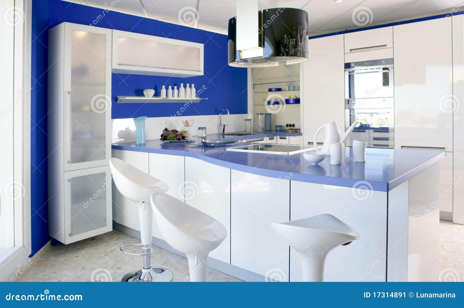 Casa moderna del dise o interior de la cocina blanca azul for Casa moderna blanca