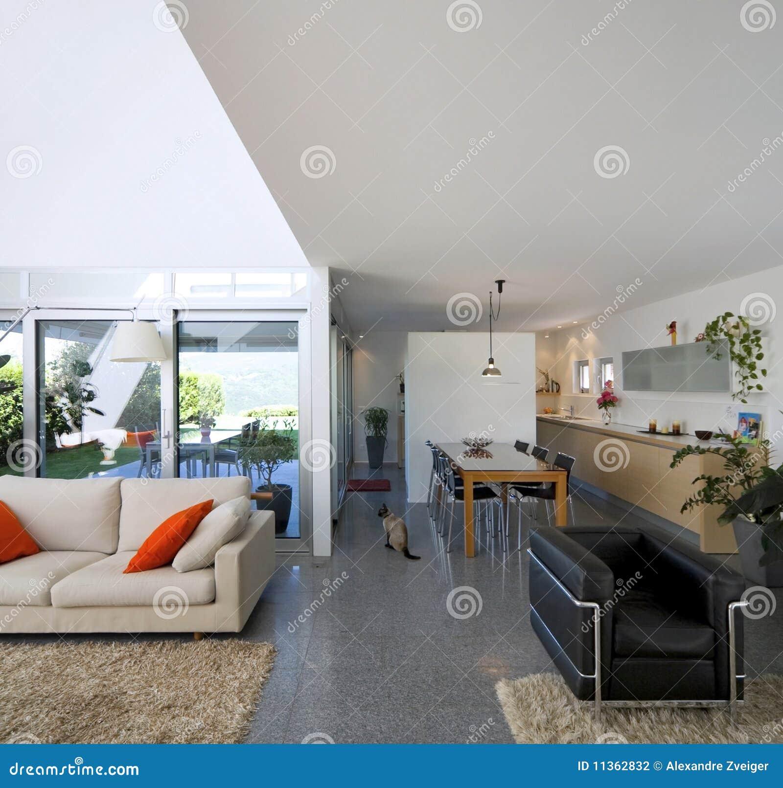 Casa moderna interior del ladrillo for Casa moderna ladrillo
