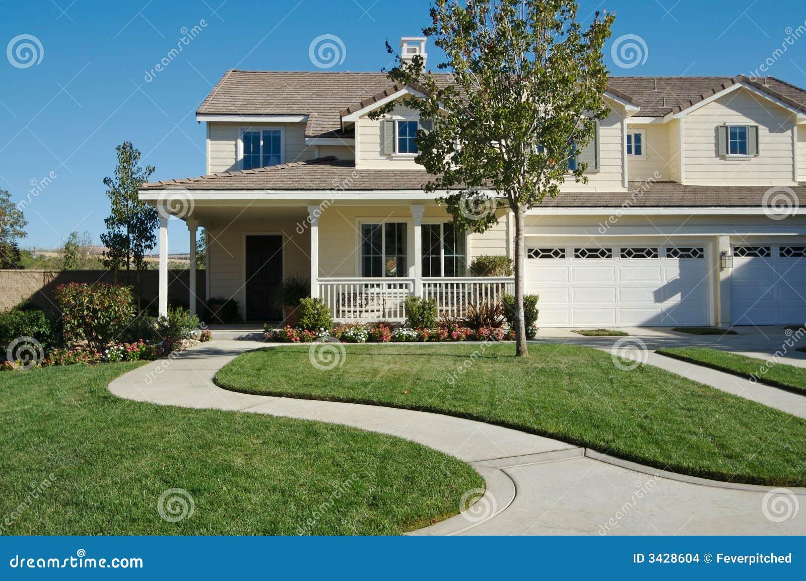 Casa moderna nuova immagini stock immagine 3428604 for Ottenere una casa costruita