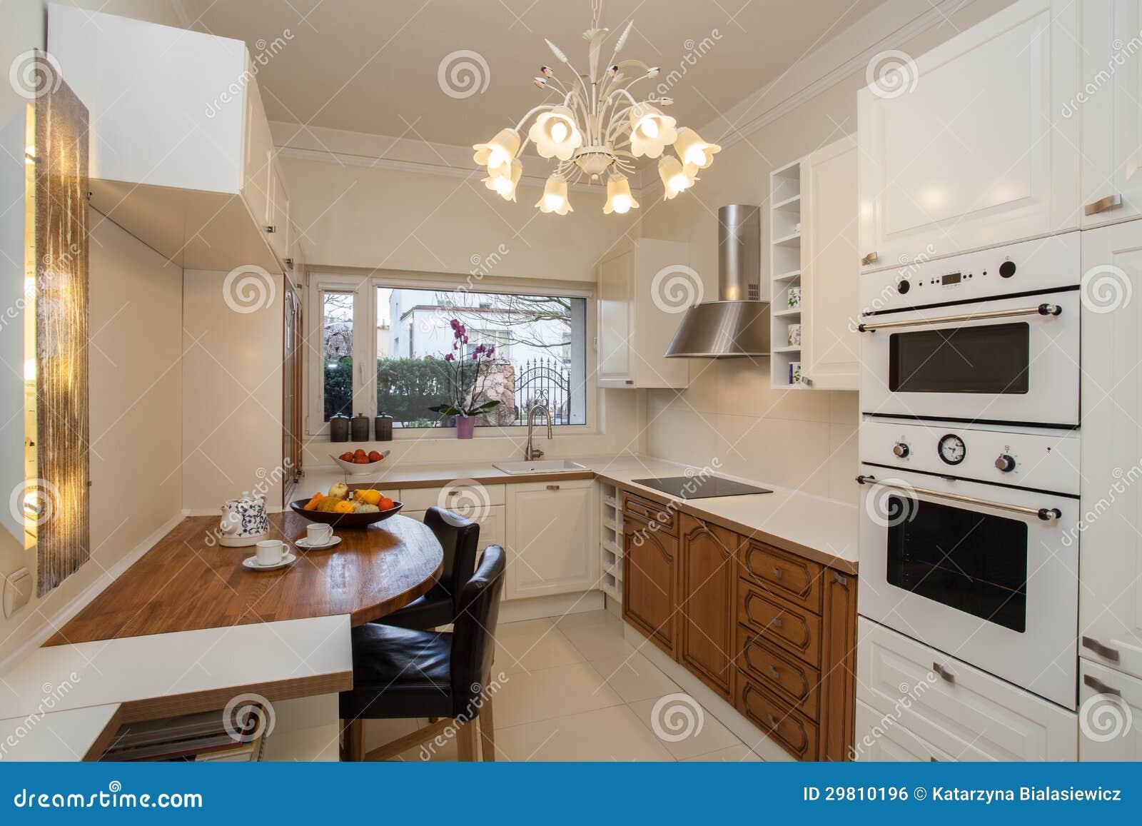 Casa Nebulosa Interior Da Cozinha Imagem de Stock Royalty Free  #82A328 1300 957