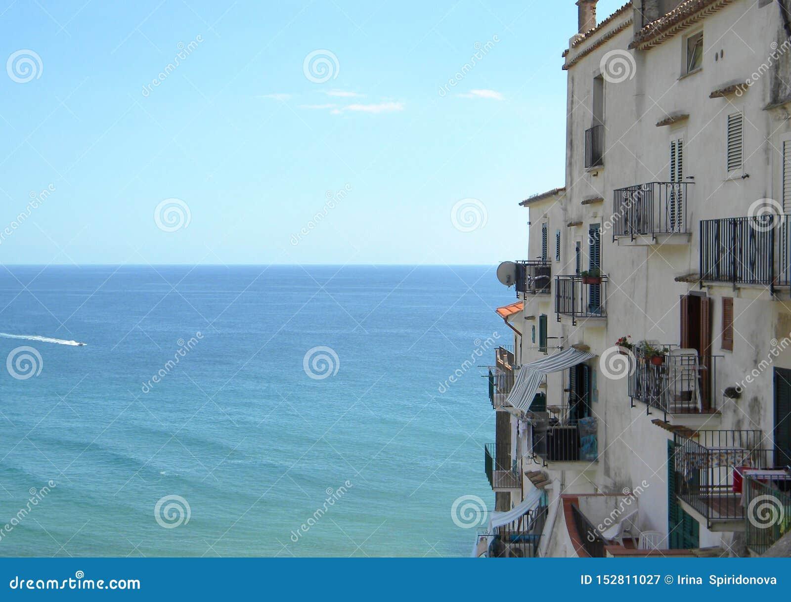 Casa por el mar
