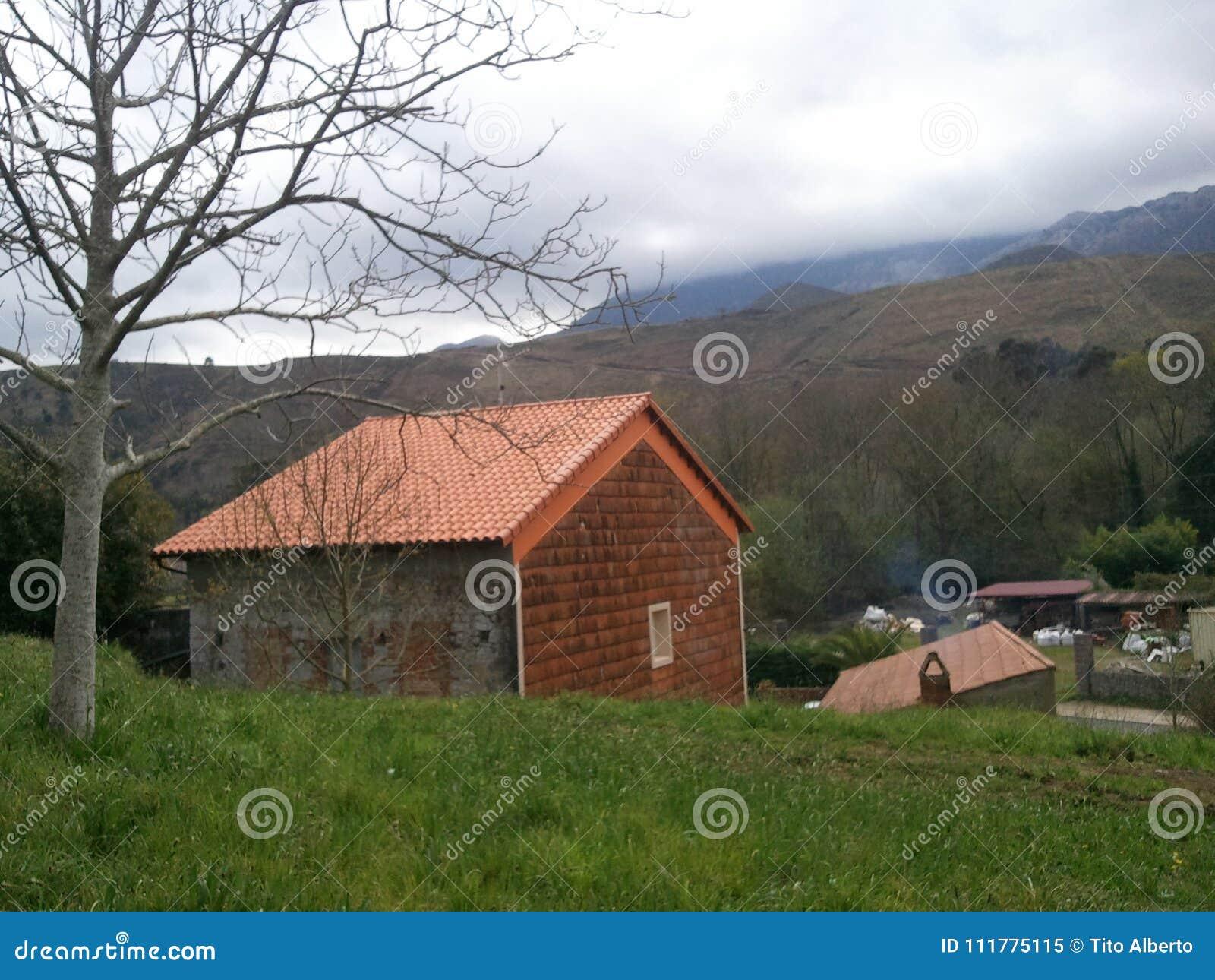 Casa pyrenees de Llanes
