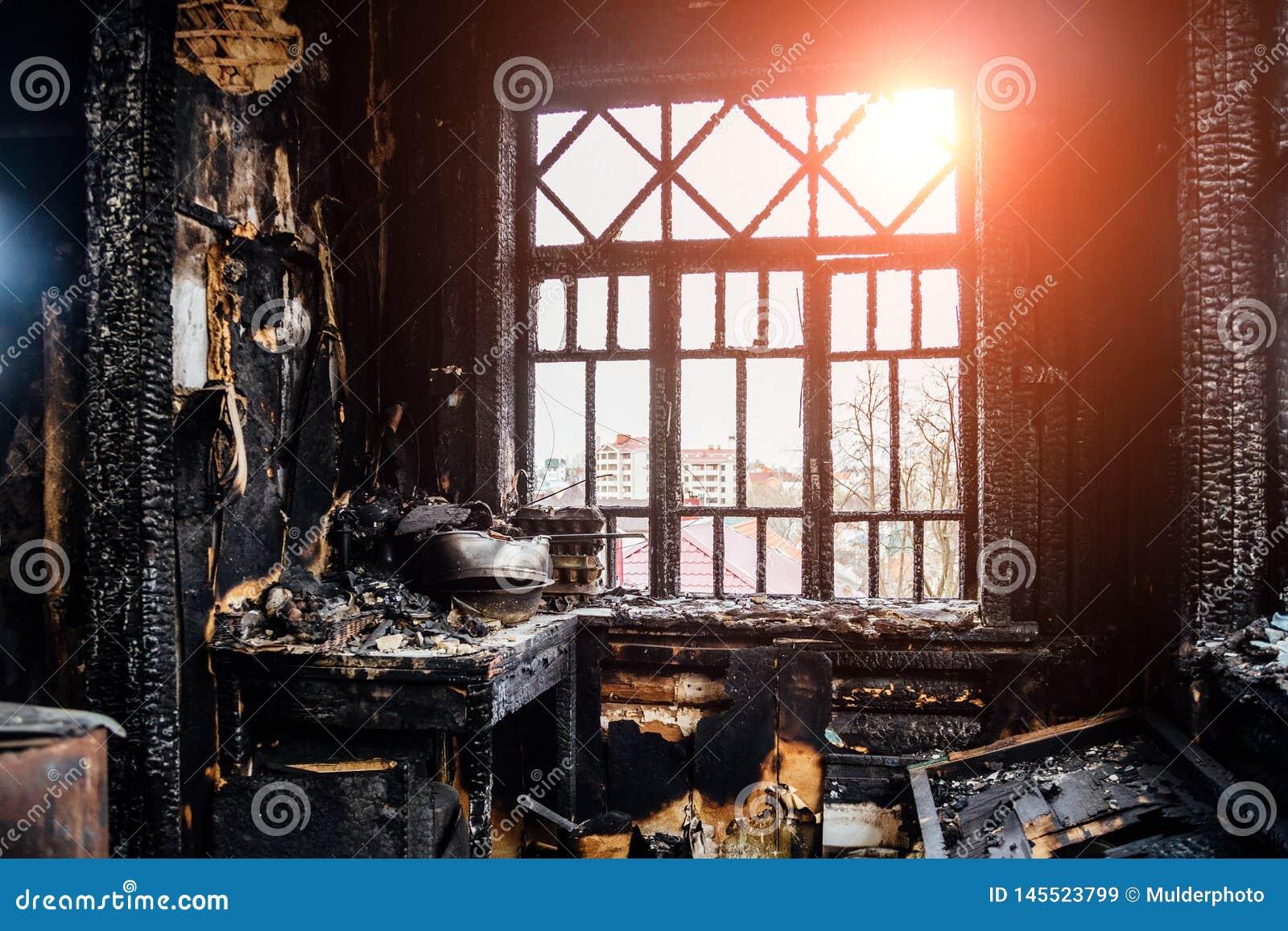 Un Incendio Calcina La Cocina De Un Restaurante De Gandia