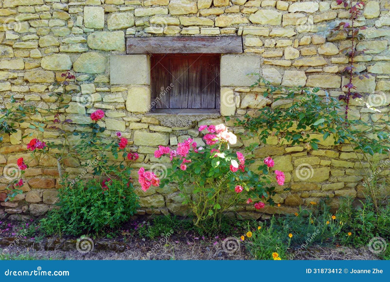 Casa rosas de pedra amarelas medievais antigas - Inmobiliarias en villagarcia de arosa ...