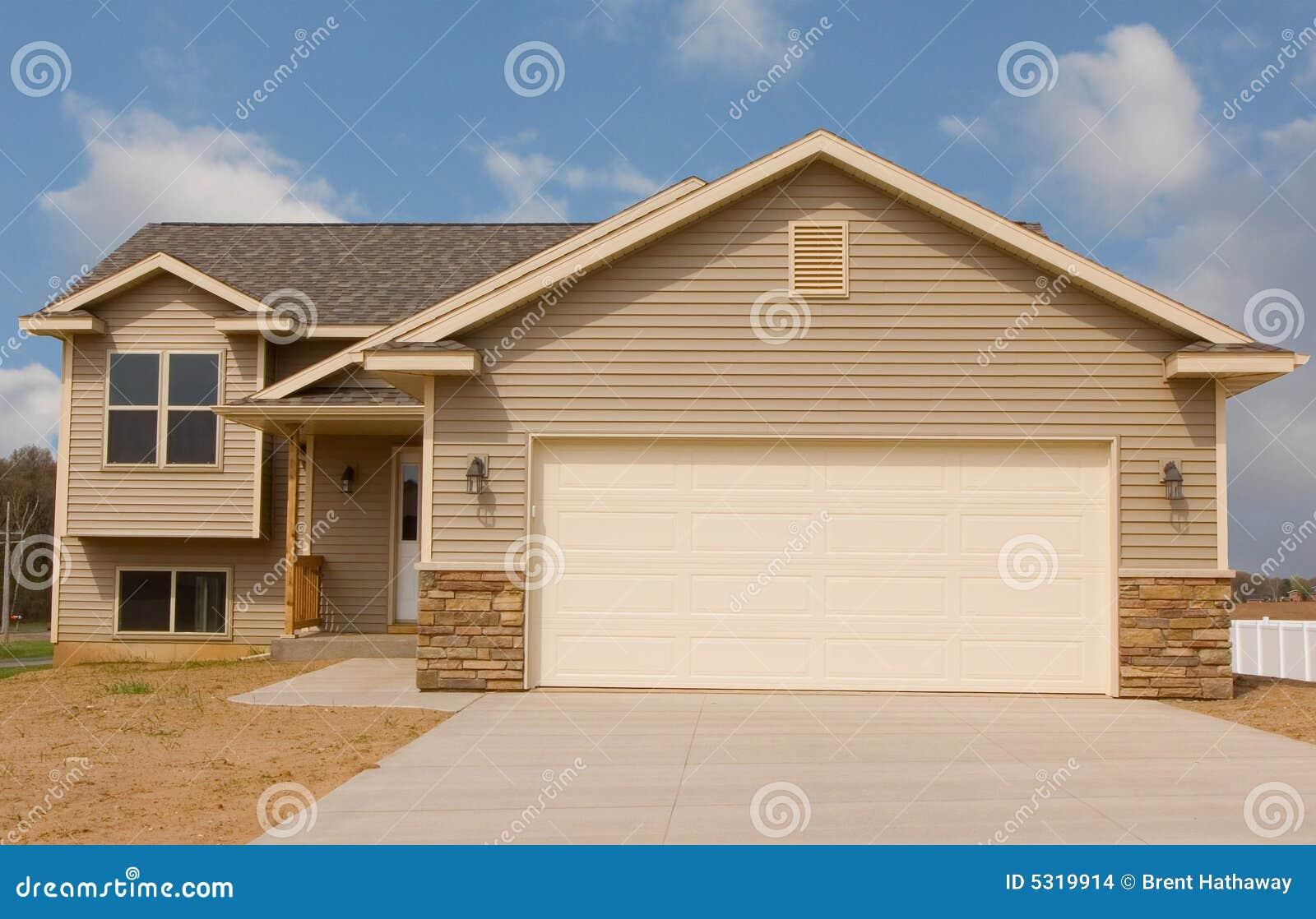 Download Casa rurale fotografia stock. Immagine di architettura - 5319914