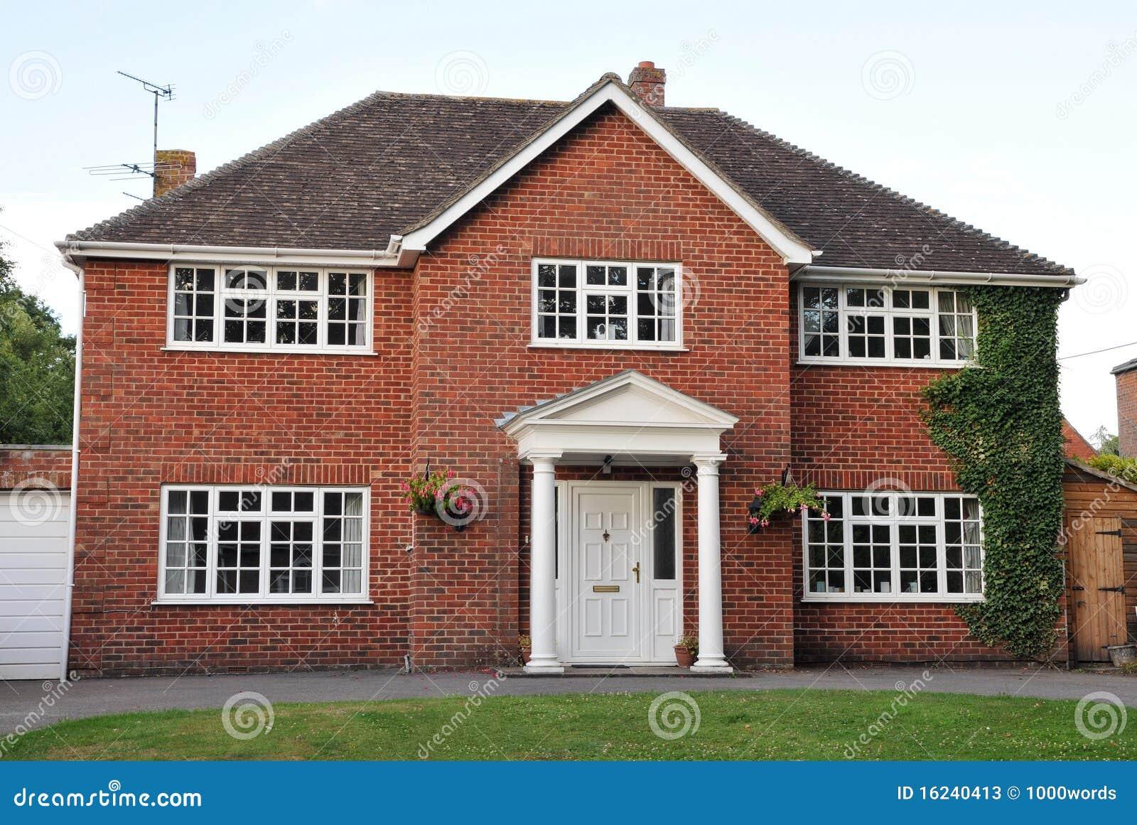 Casa separada del ladrillo rojo imagen de archivo imagen 16240413 - Casa de ladrillos ...