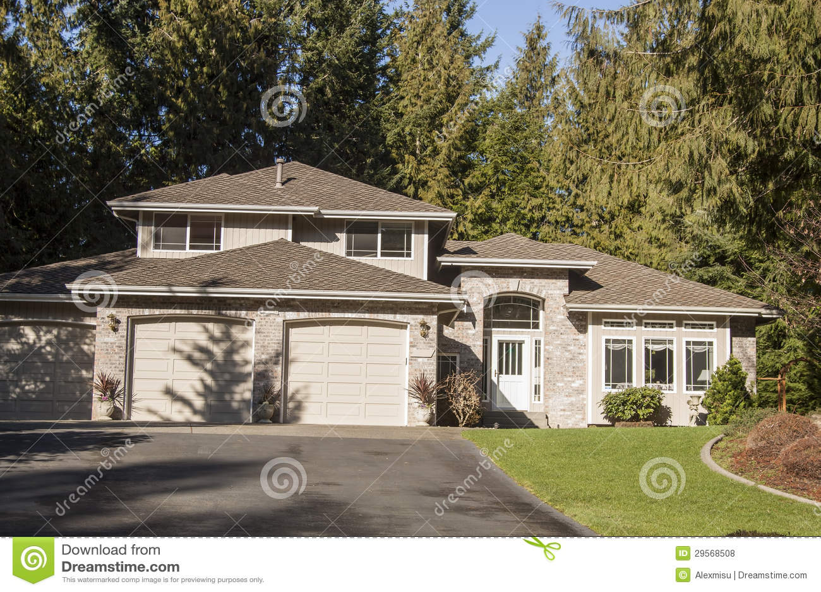 Interesting download casa stile americana fotografia stock for Case in legno stile americano