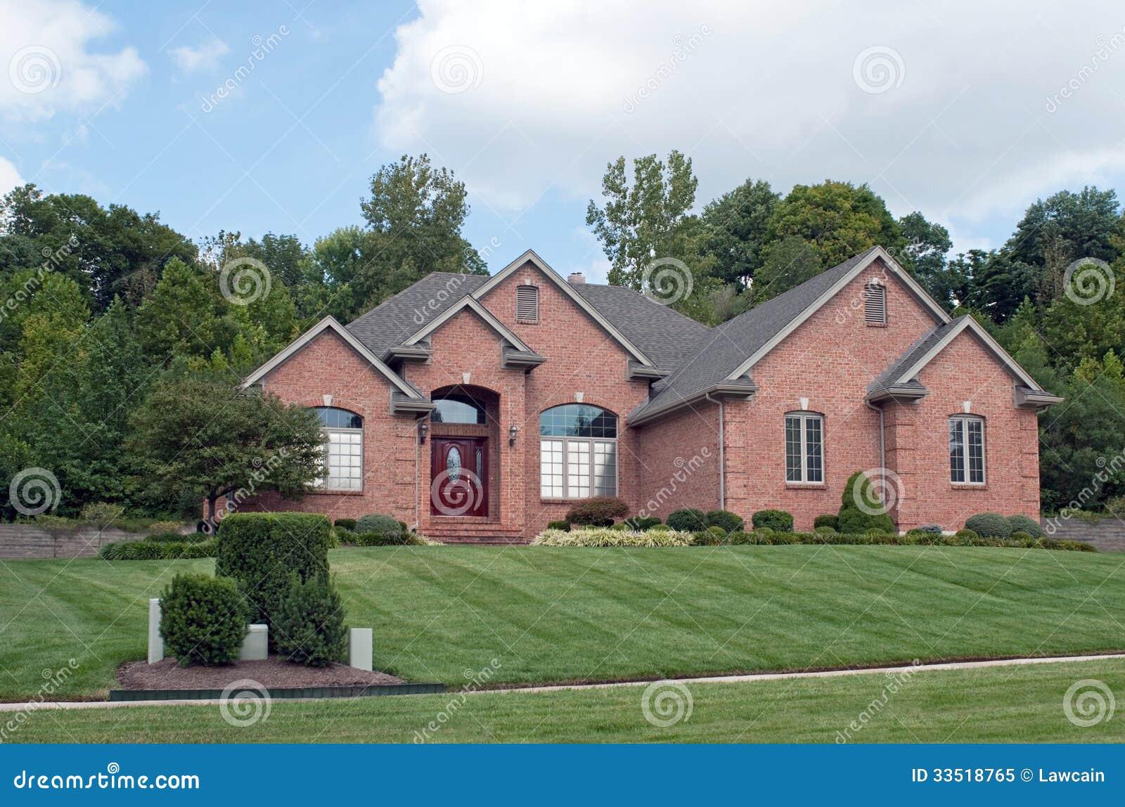 casa suburbana del mattone di midwest fotografia stock
