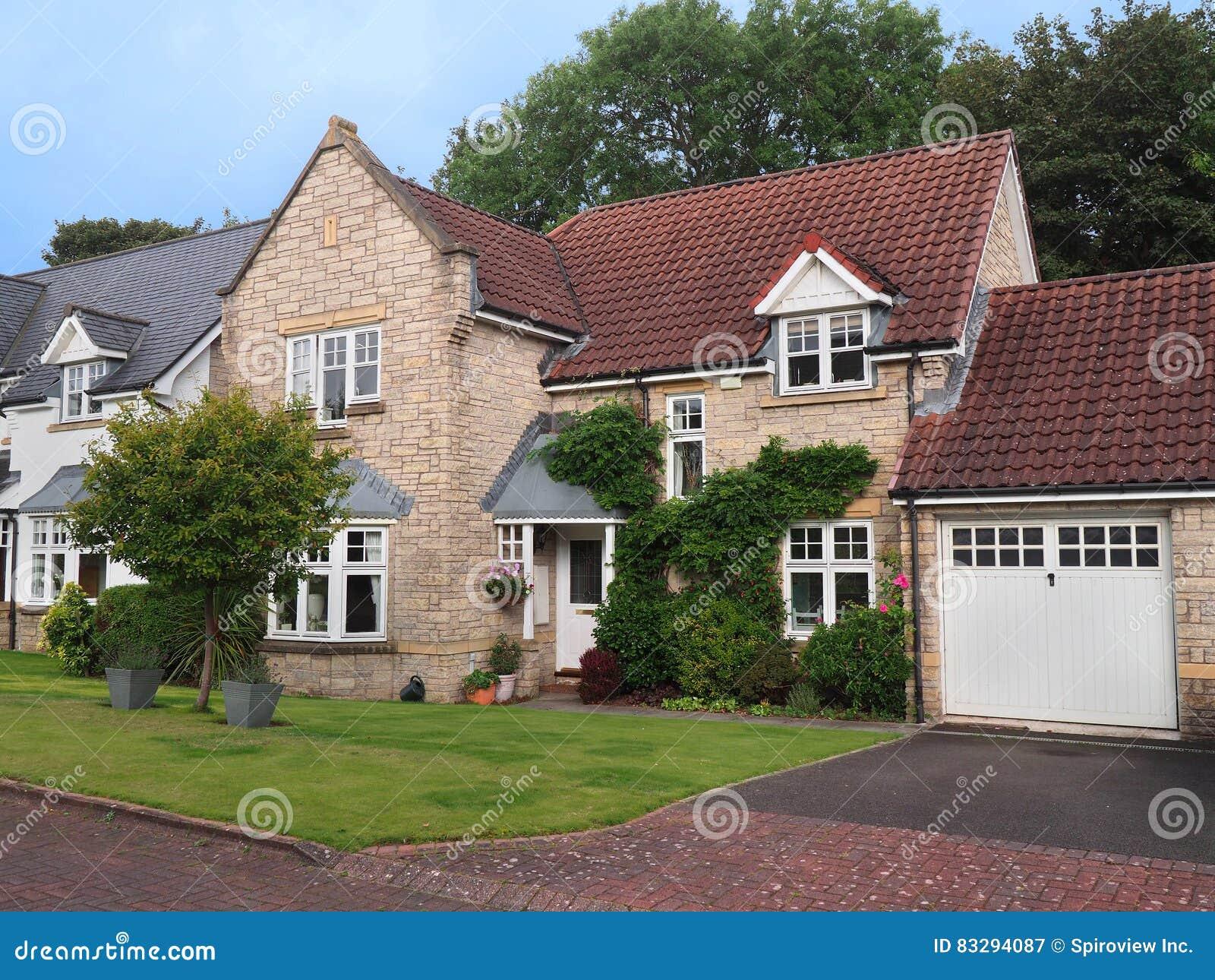Casa suburbana destacada