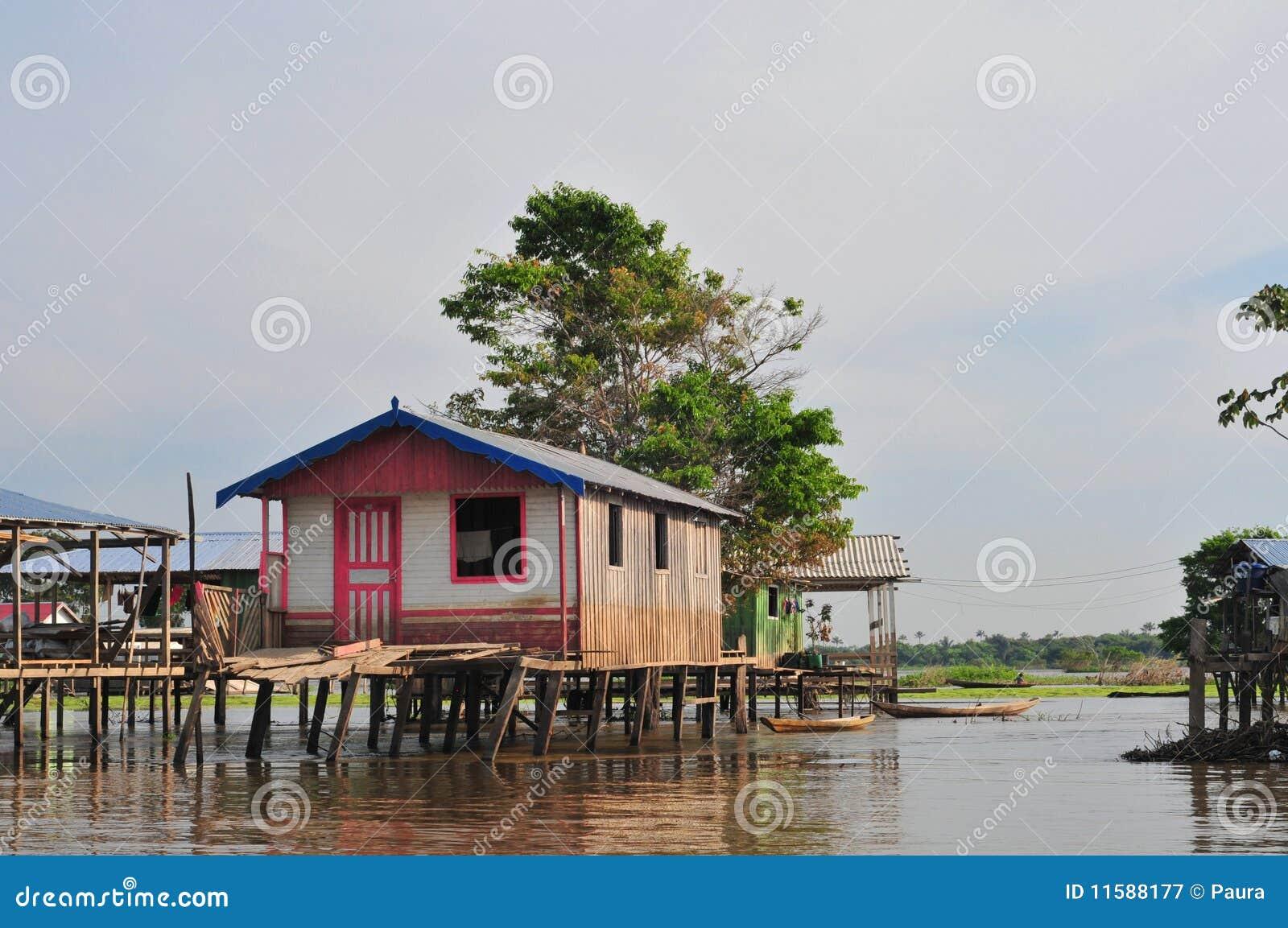 Casa típica del zanco del Amazonas