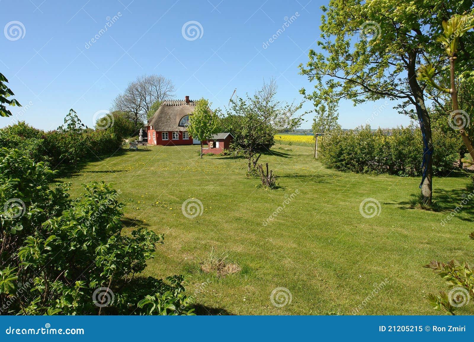 Casa thached país danés clásico tradicional