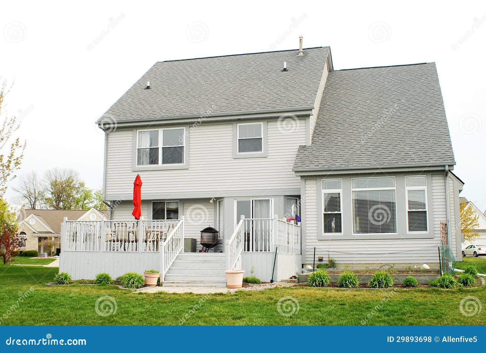 Una Casa Di Due Storie Fotografia Stock Immagine Di Verde