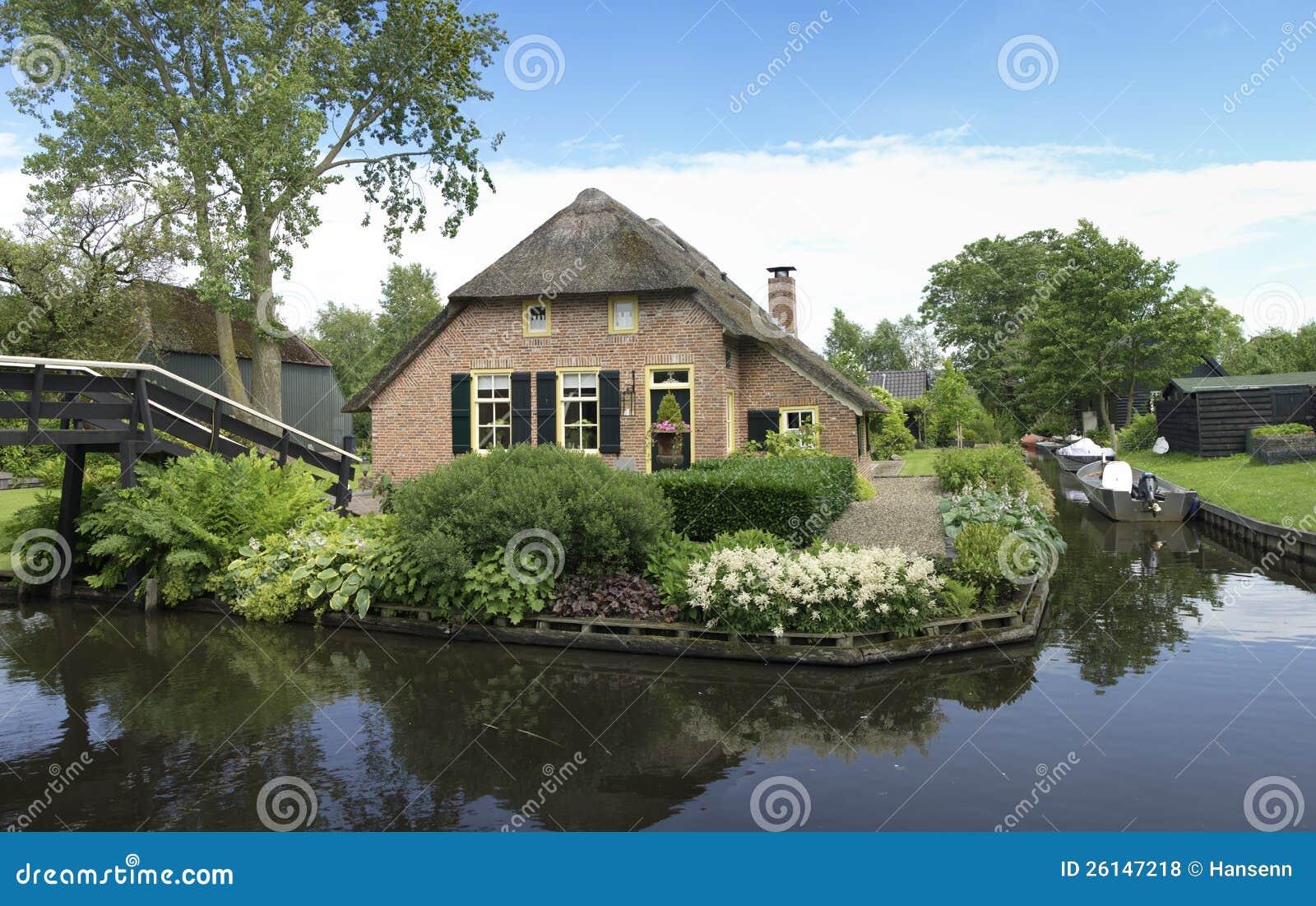 Casa tradizionale in giethoorn paesi bassi fotografia for Casa tradizionale mogoro