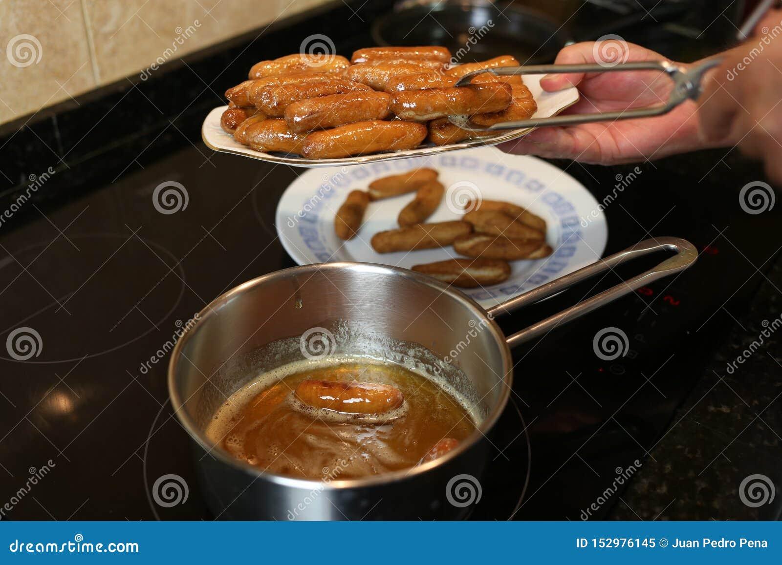 Casalingo dolce fritto con miele