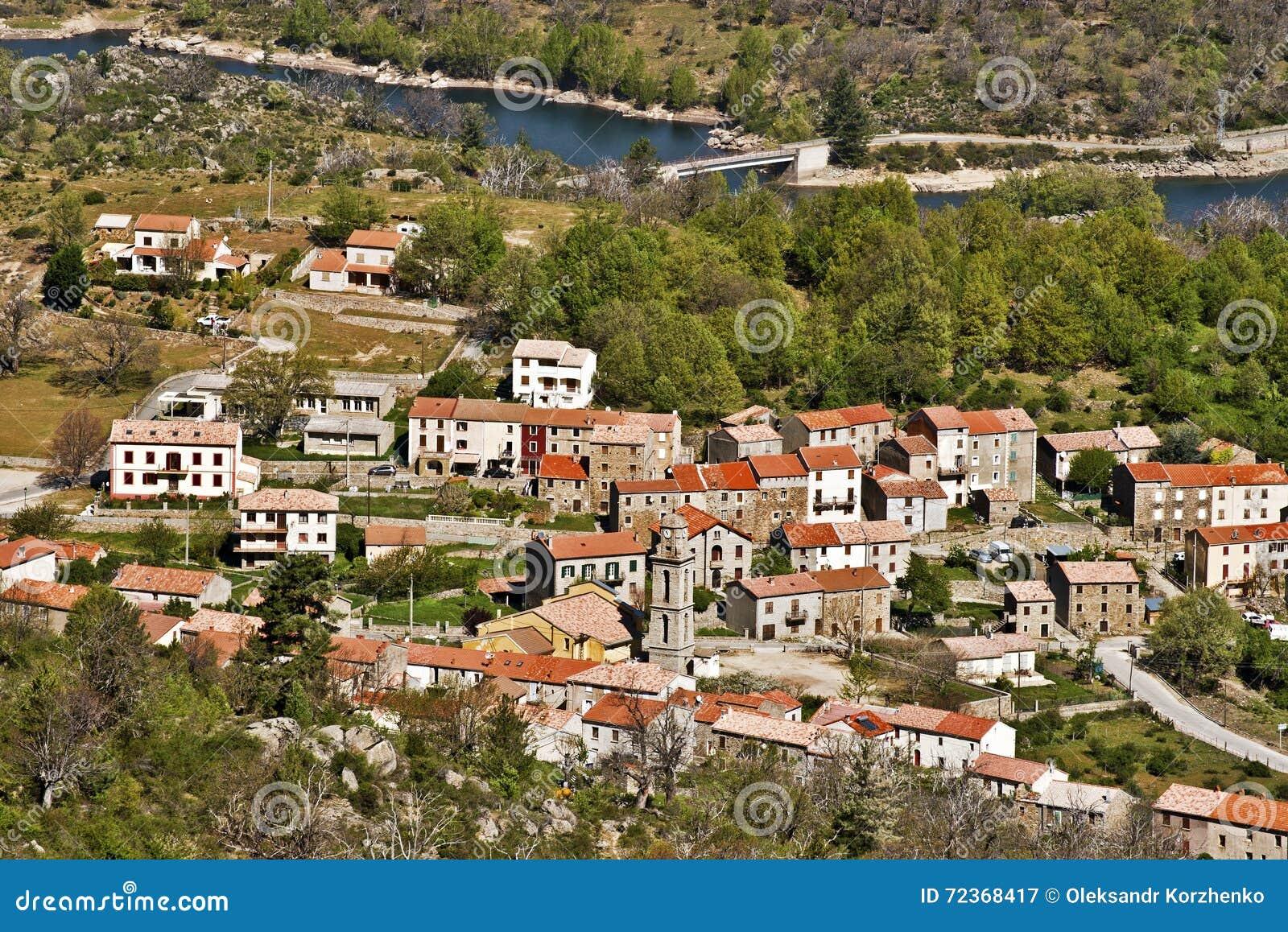 Casamaccioli村庄在可西嘉岛