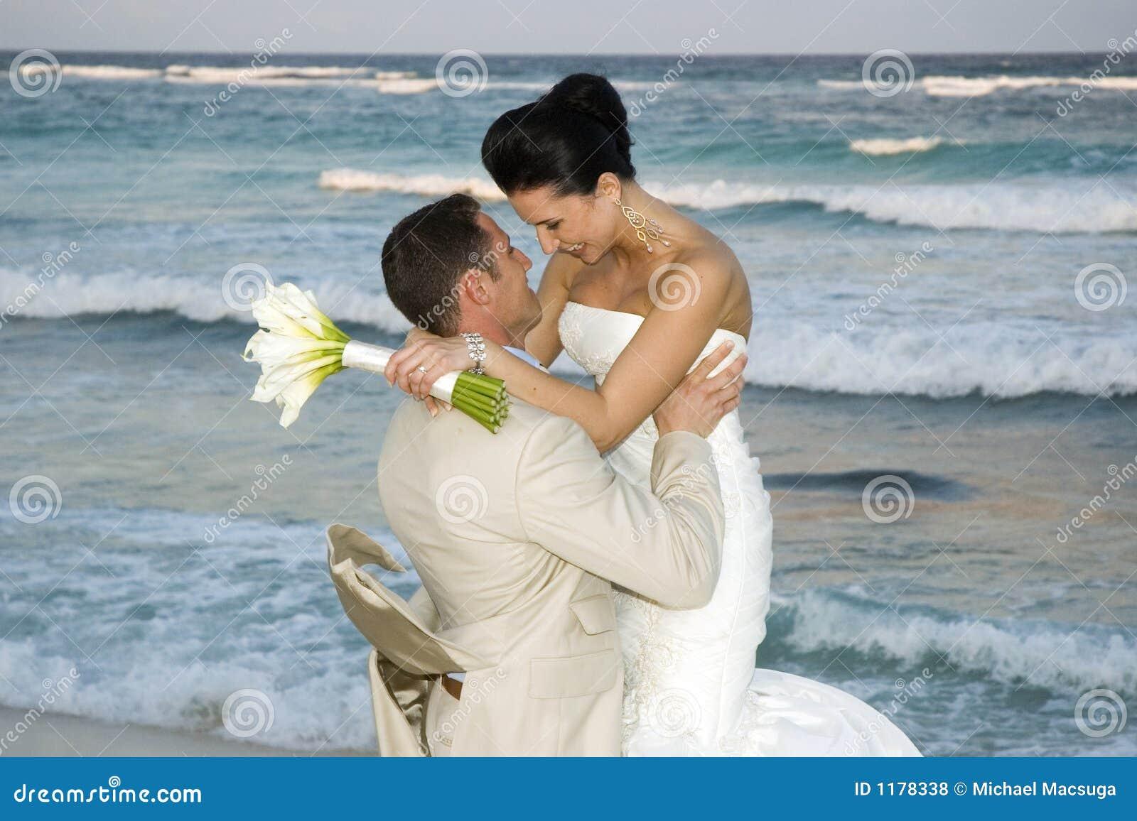 Casamento de praia do Cararibe - Cele