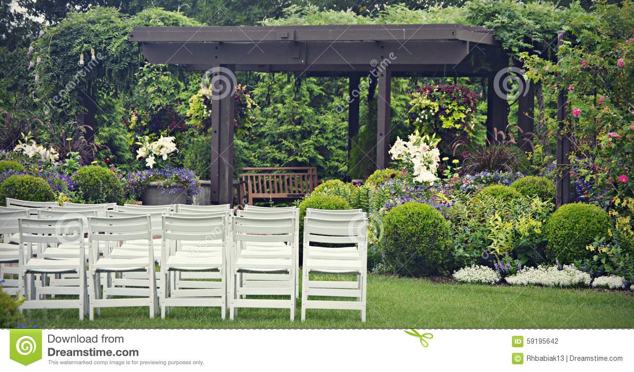 casamento jardim lisboa : casamento jardim lisboa:Black and White Wedding Chair Set Up