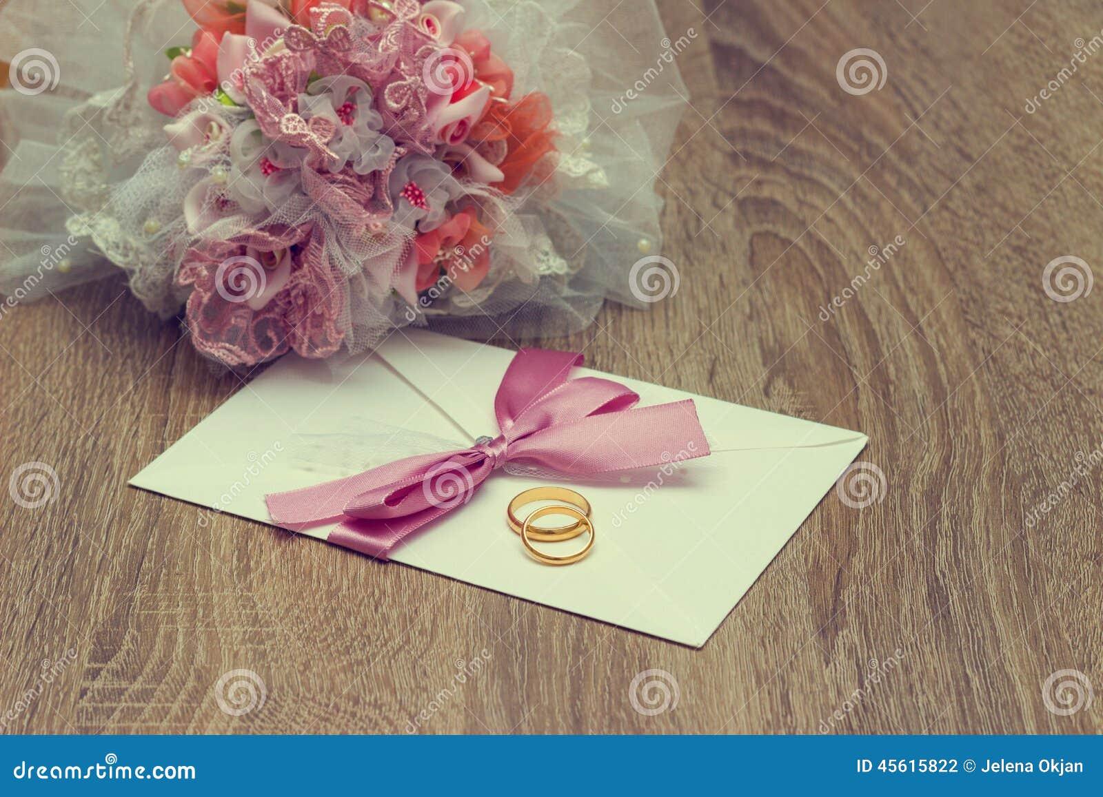Casamento Ring And Invitation