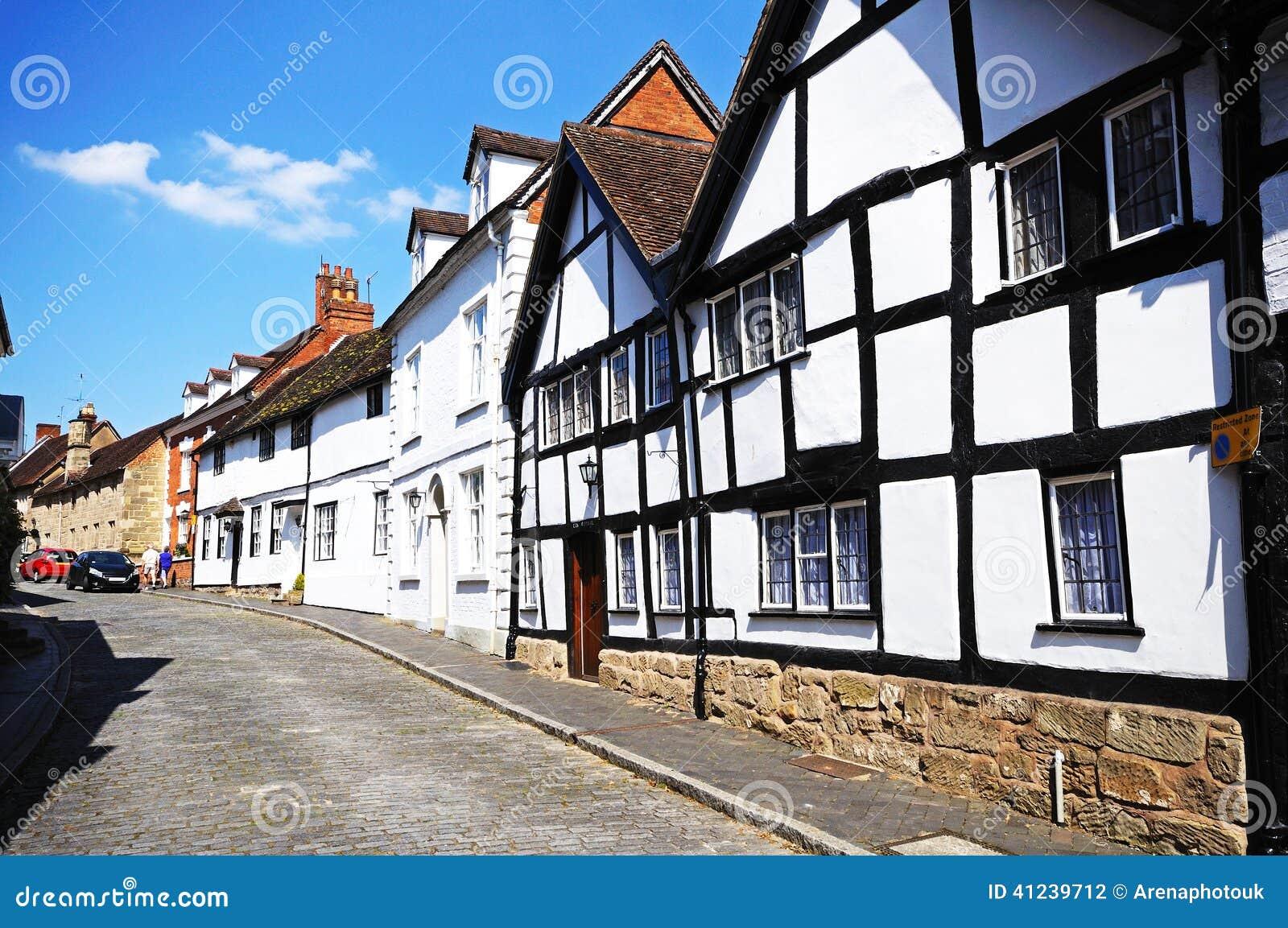 Casas ao longo da rua do moinho, Warwick