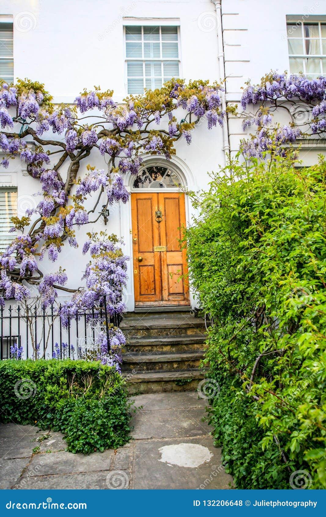 Casas británicas tradicionales en Richmond, cerca de Londres, Reino Unido