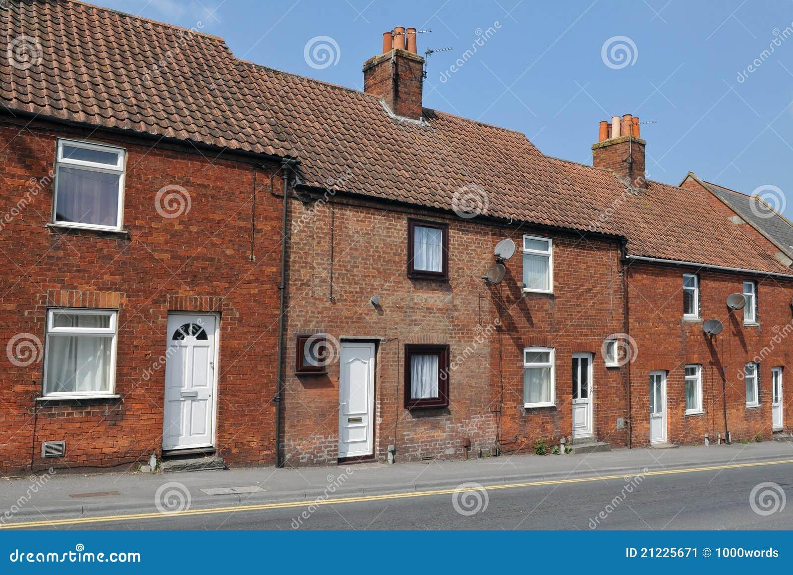 Casas colgantes del ladrillo rojo imagen de archivo - Casas de ladrillos ...