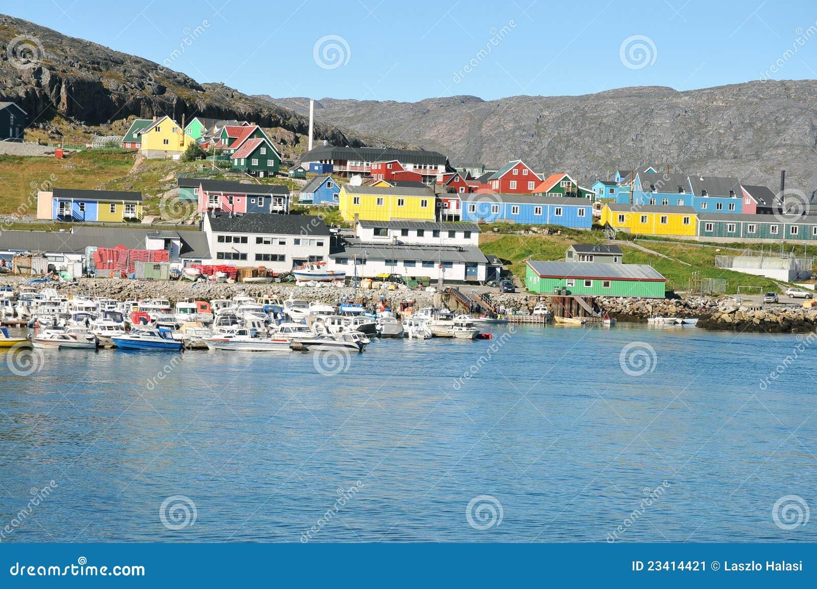 Casas coloridas, edificios en Qaqortoq, Groenlandia