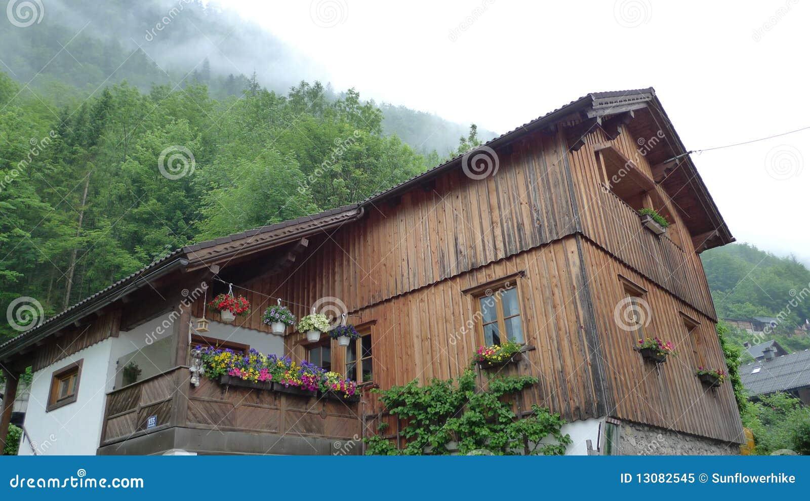 Casas de campo bonitas na paisagem foto de stock royalty - Casas de campo bonitas ...