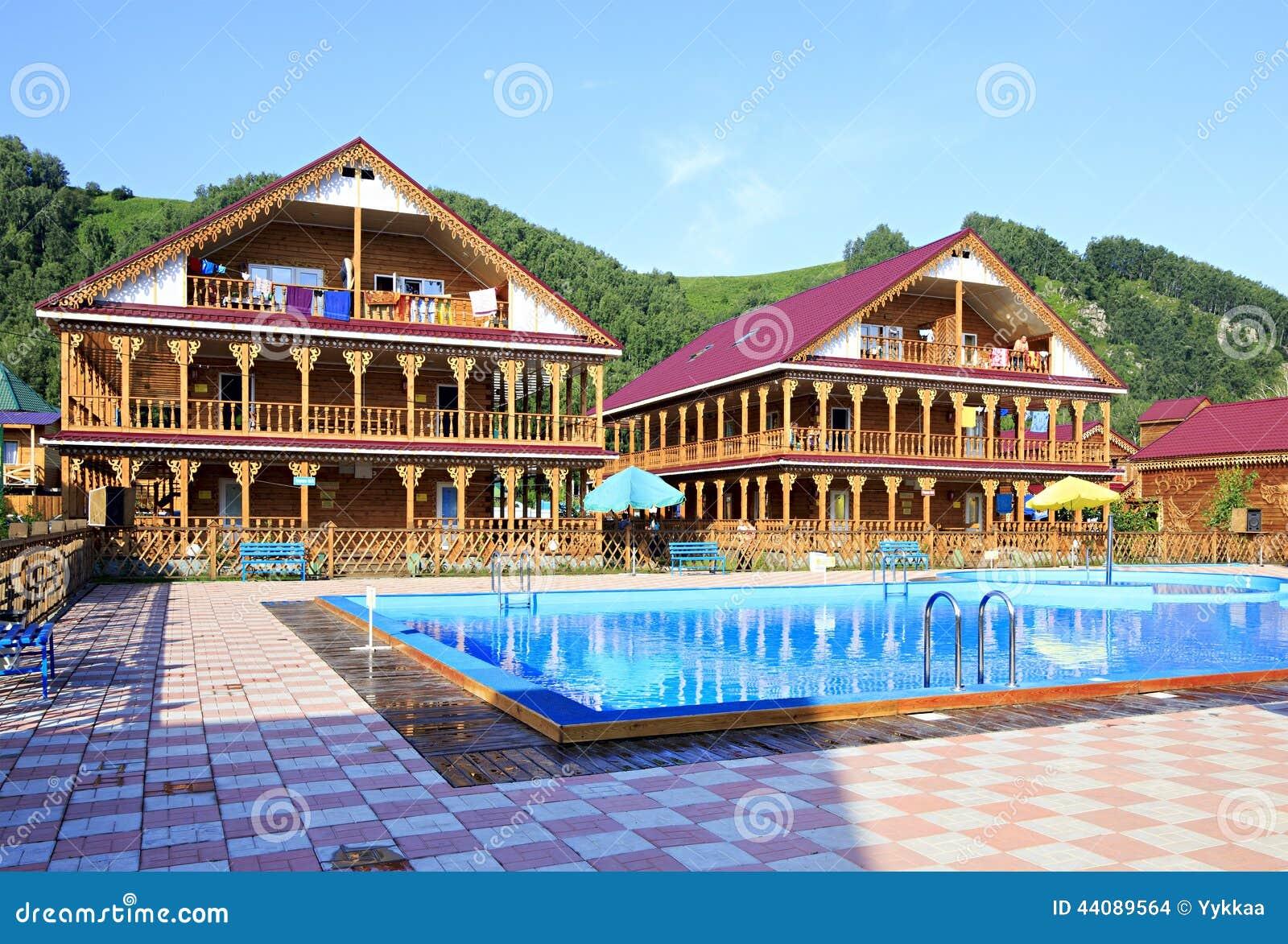 Casas de campo de madeira bonitas com piscina nas - Casas de campo bonitas ...