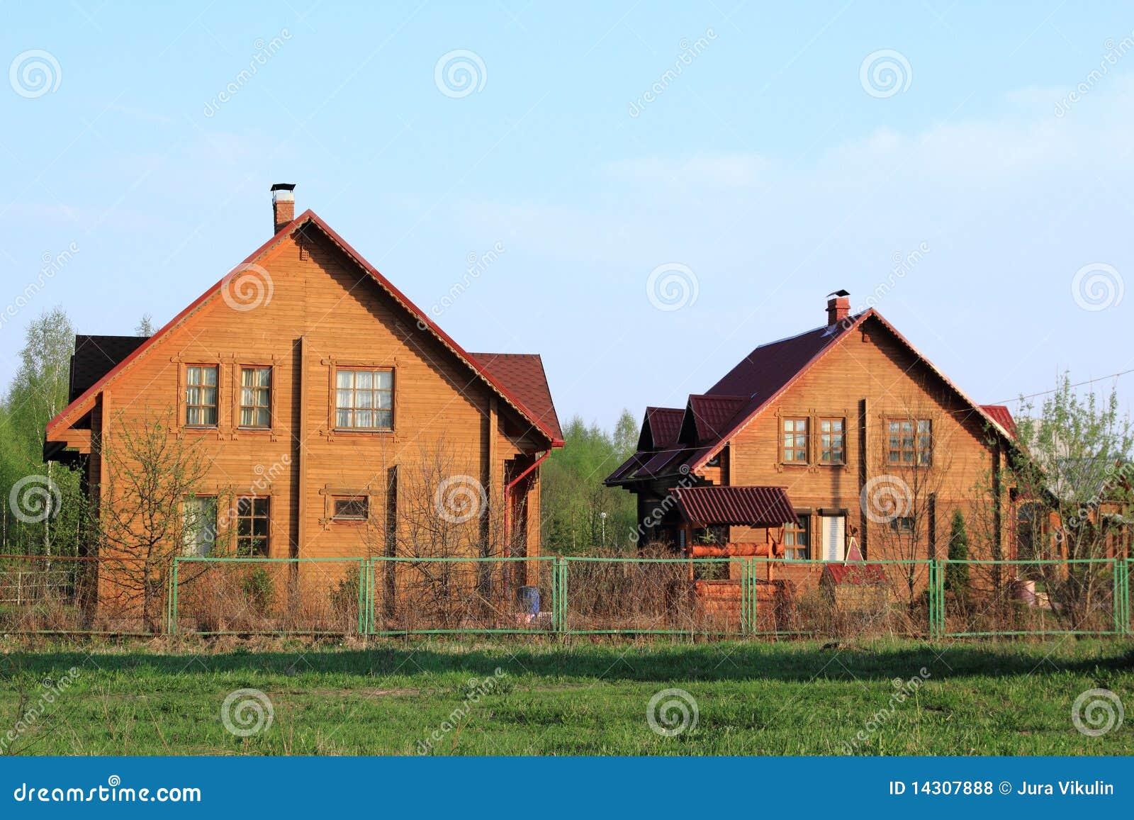 Casas de campo de madera fotos de archivo libres de - Casas de campo madera ...