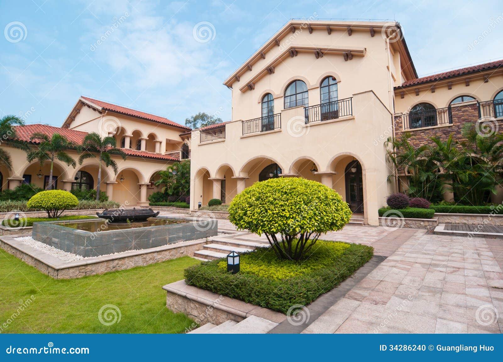 Casas de campo e jardins foto de stock imagem 34286240 for Casas de jardin