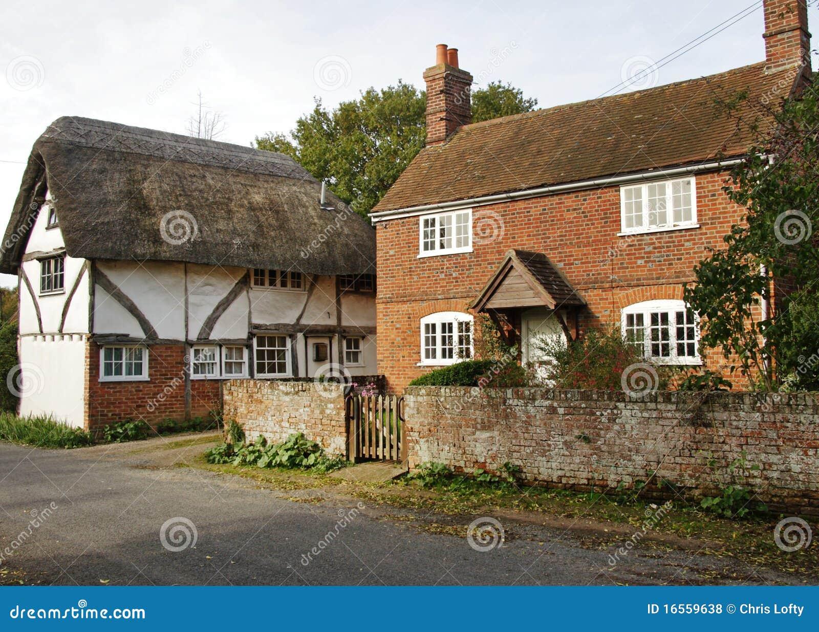 Casas de campo inglesas da vila da vila fotos de stock royalty free imagem 16559638 - Imagenes de casas inglesas ...
