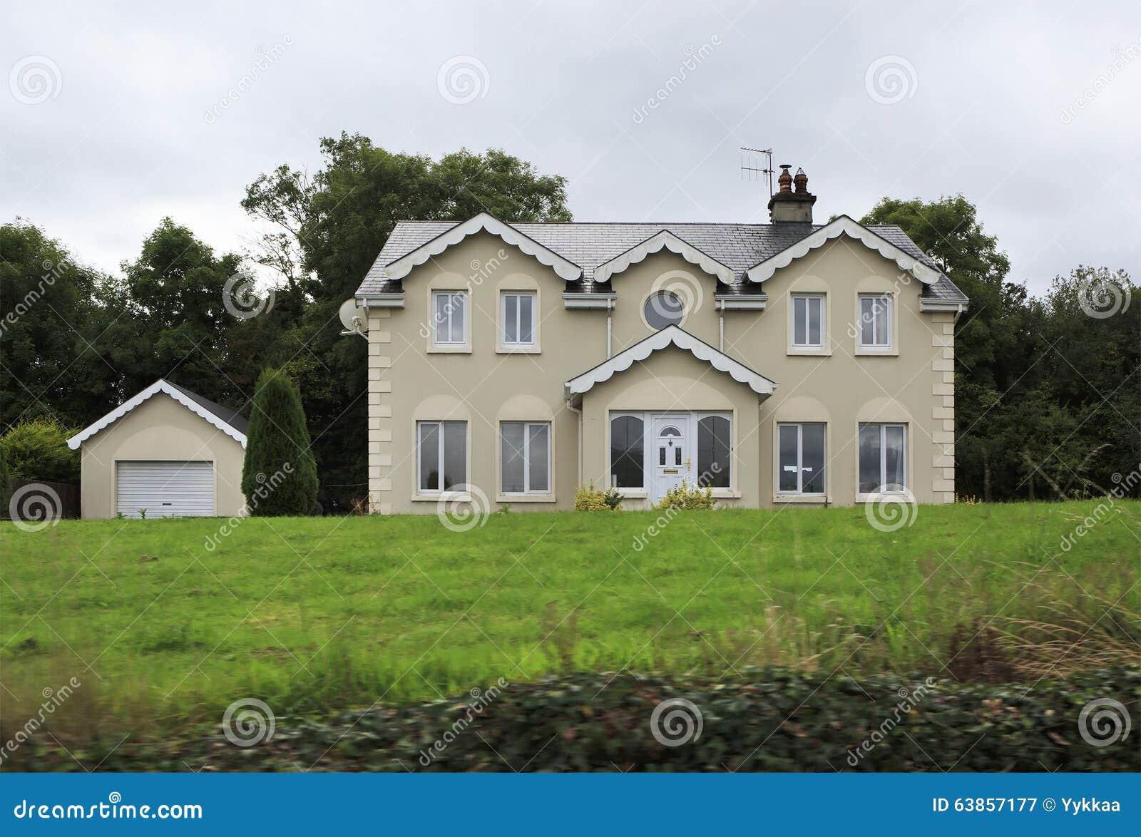 Casas de campo residenciales hermosas en irlanda fotograf a editorial imagen 63857177 - Casas de campo embargadas en lorca ...